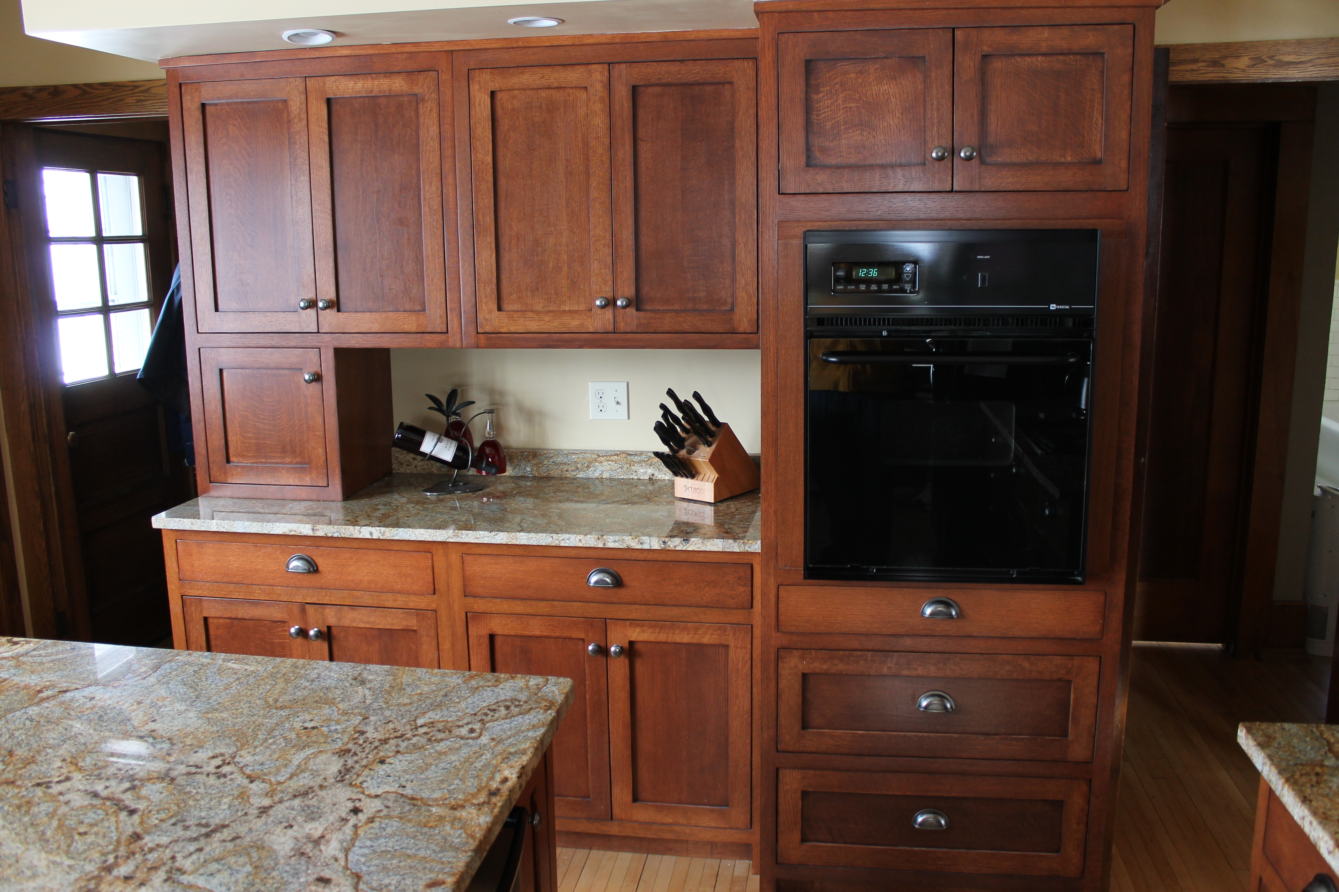 Quarter Sawn Red Oak Kitchen Cabinets