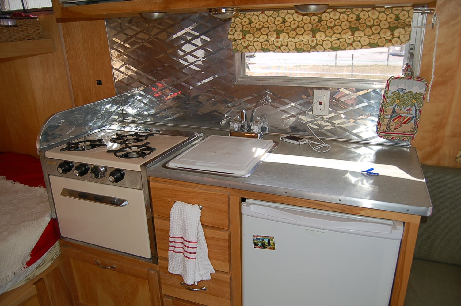 Travel Trailer Kitchen Cabinets
