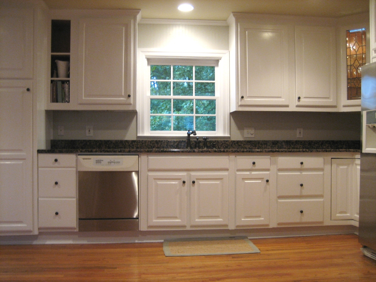 Beige Kitchen Cabinets With Grey Walls