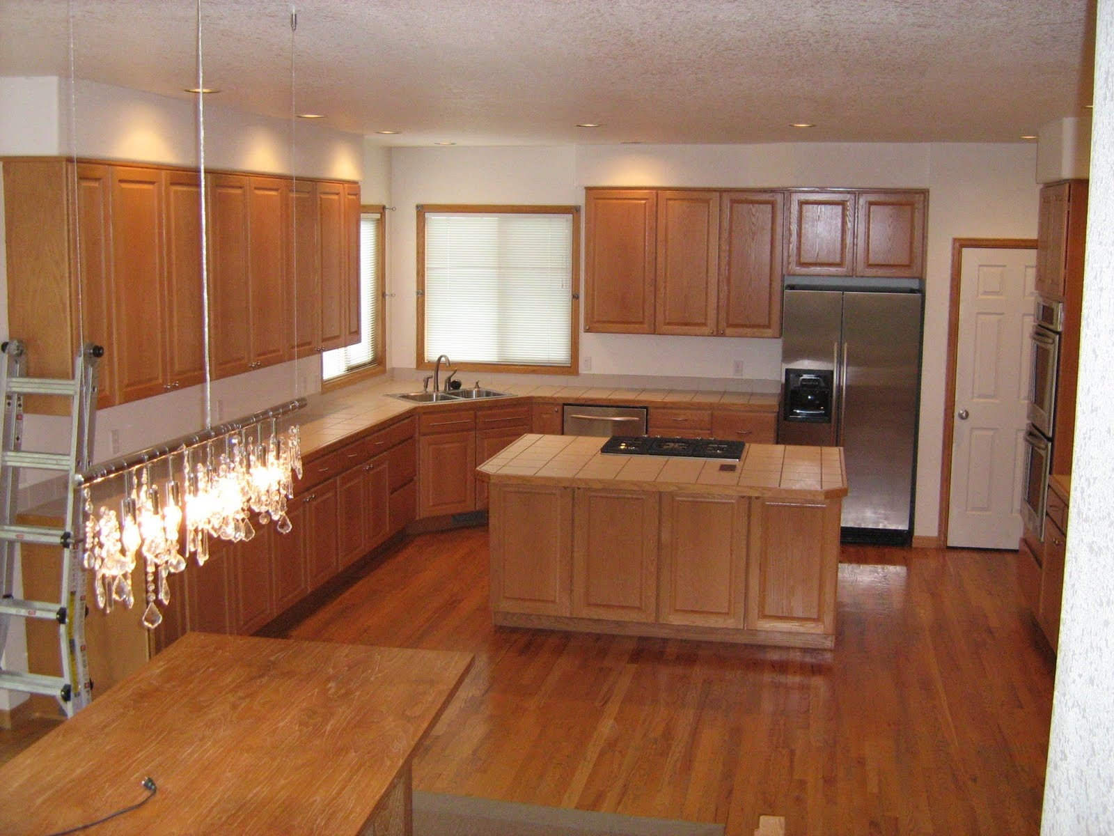 Best Kitchen Floors With Oak Cabinets
