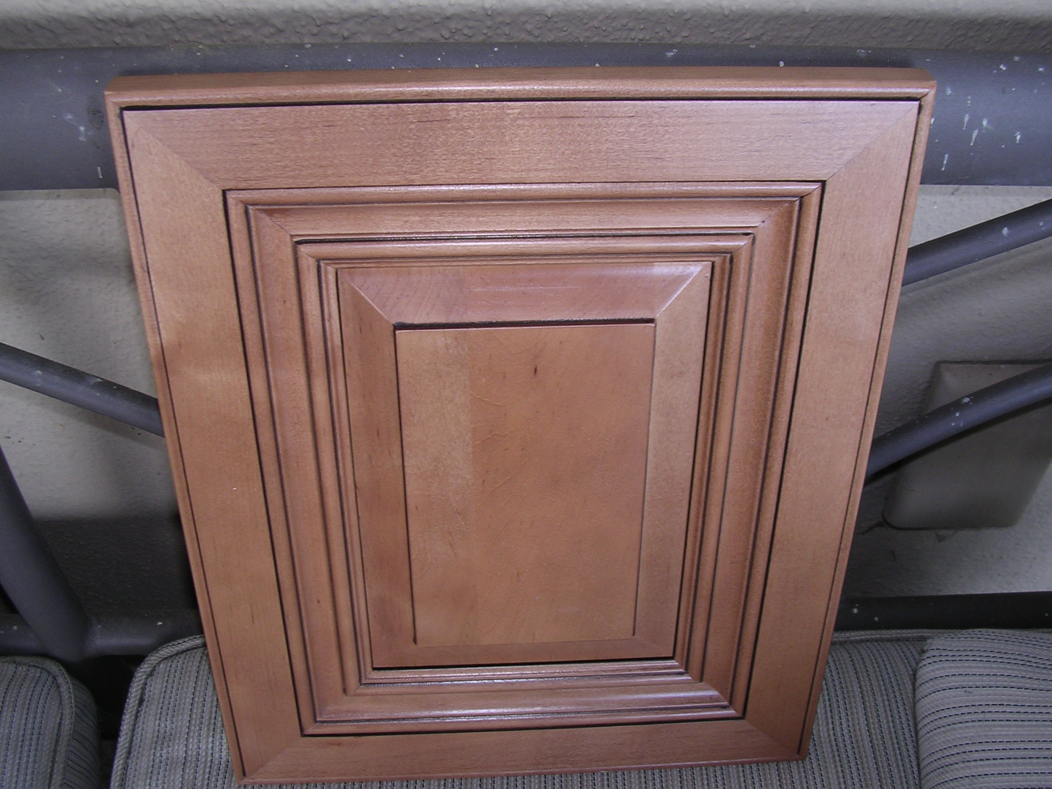 Cinnamon Maple Glazed Kitchen Cabinets
