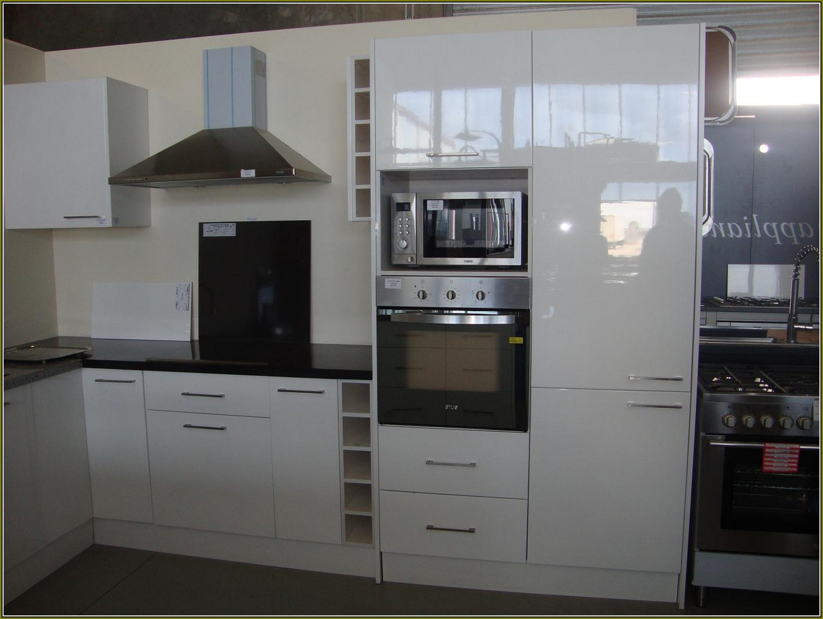 Fully Assembled Kitchen Cabinets