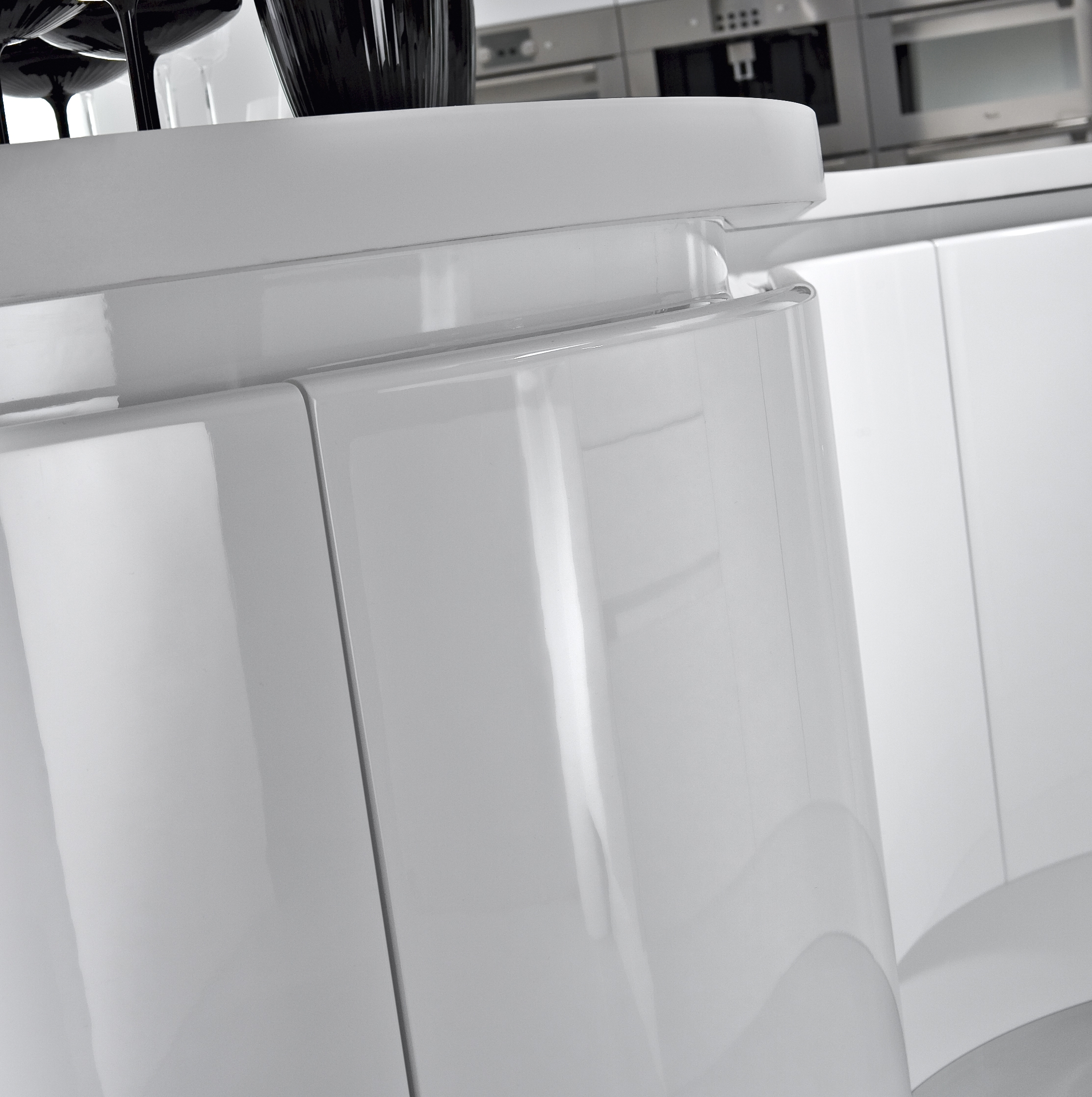 High Gloss Lacquer Finish Kitchen Cabinets