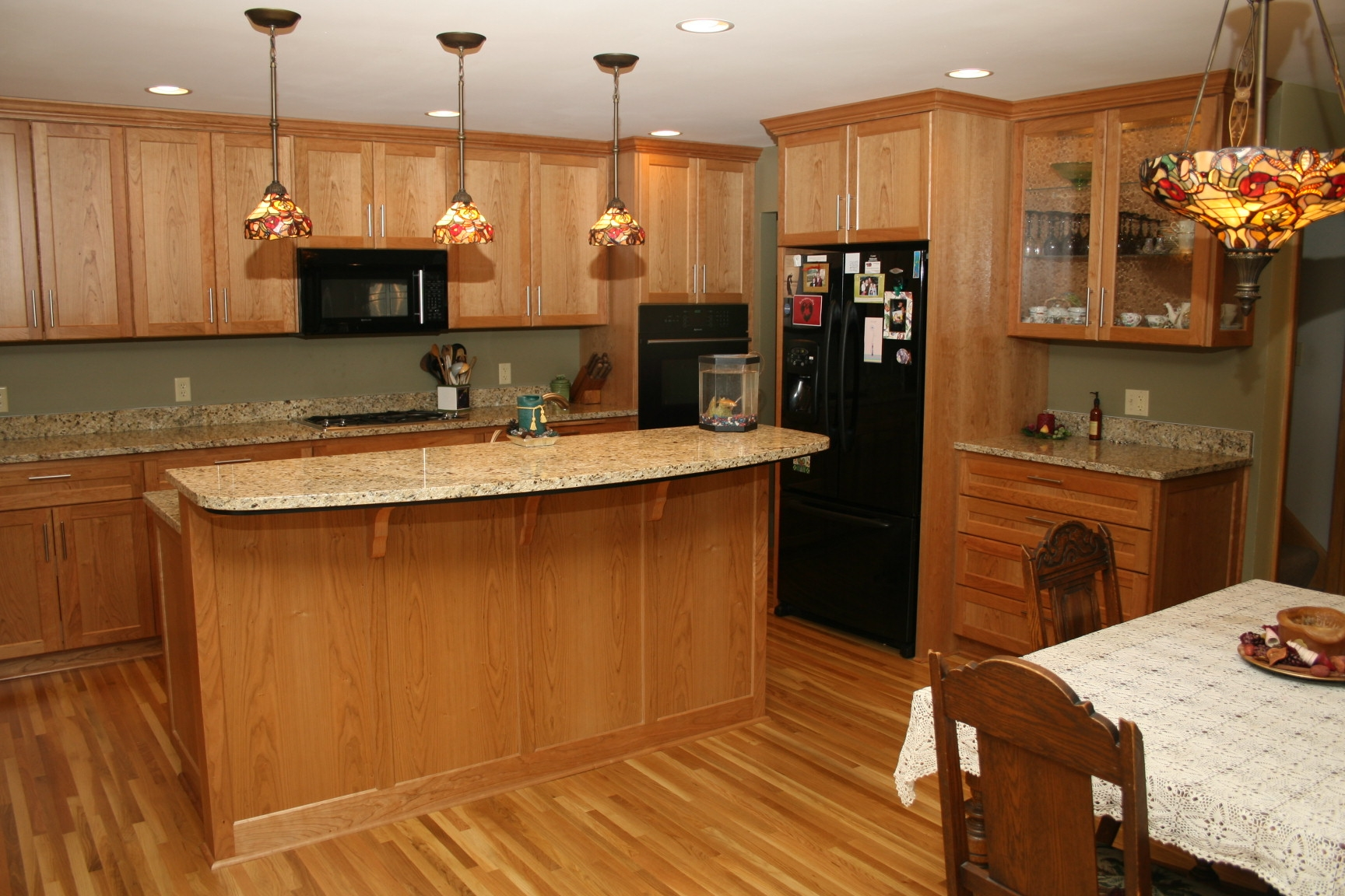 Kitchen Cabinet And Granite Countertop Combinations