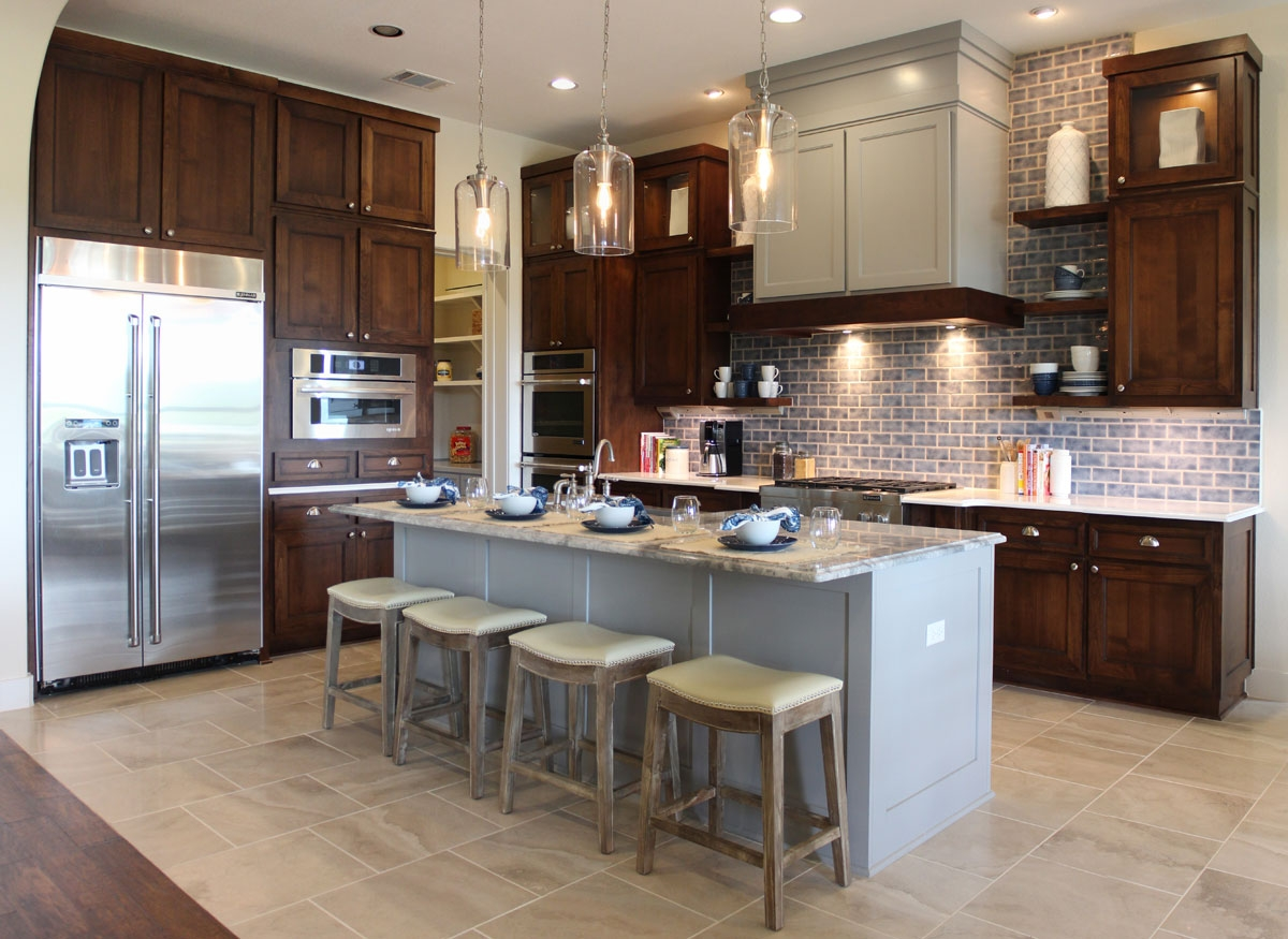 Kitchen Cabinet Doors Different Color Than Frame