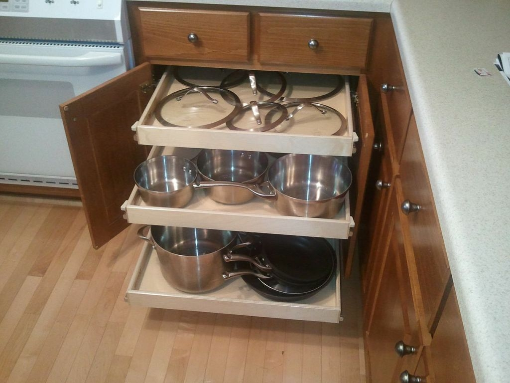 Kitchen Cabinet Pull Out Shelf1024 X 768