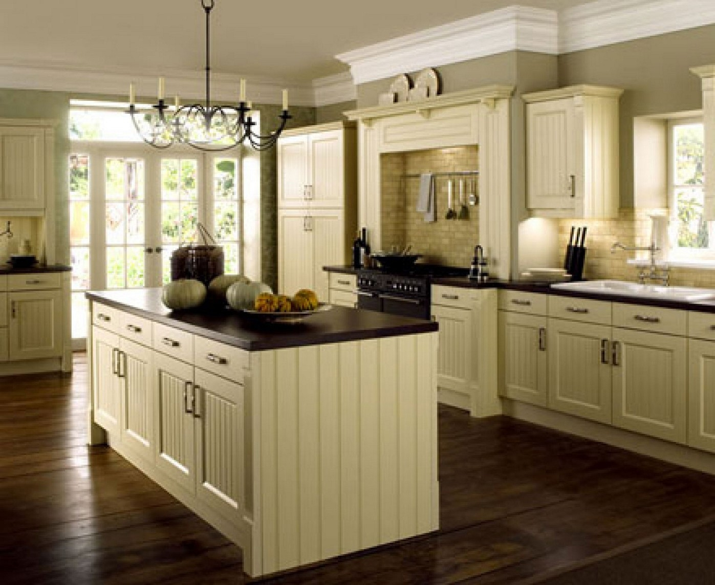 Kitchen Cabinets And Trim Color
