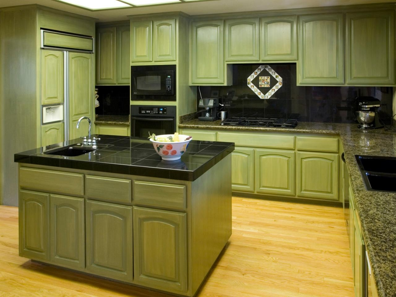 Kitchen Cabinets Materials Finishes