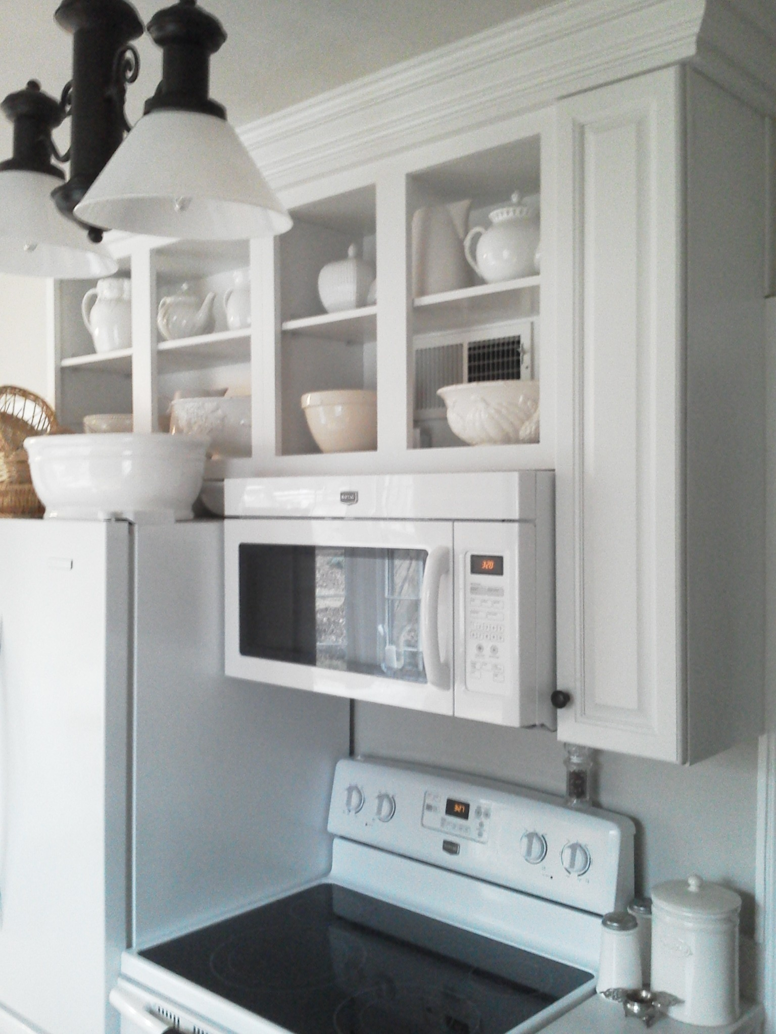 Kitchen Cabinets Microwave Shelf