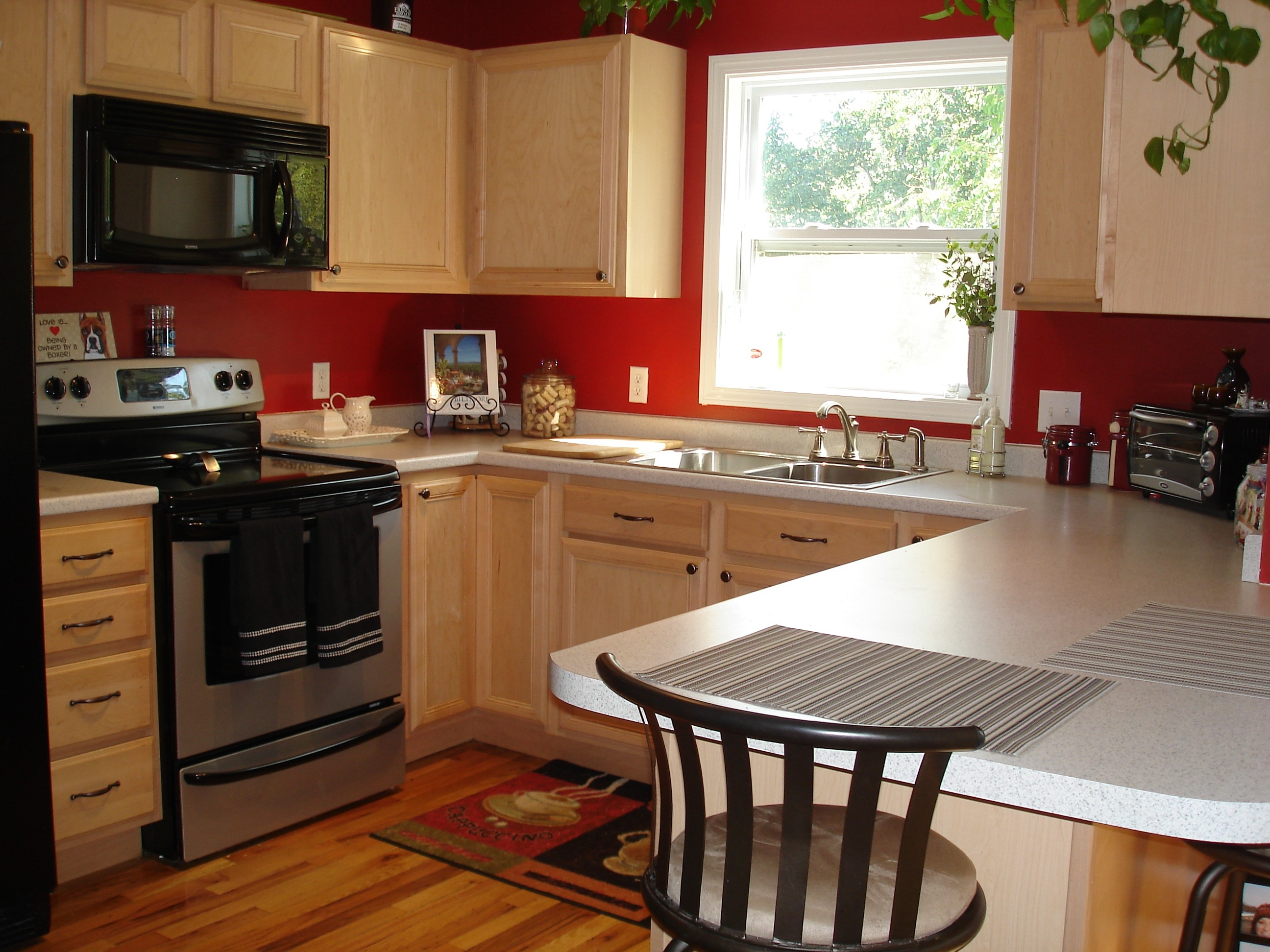 Kitchen Colors That Go With Light Wood Cabinets