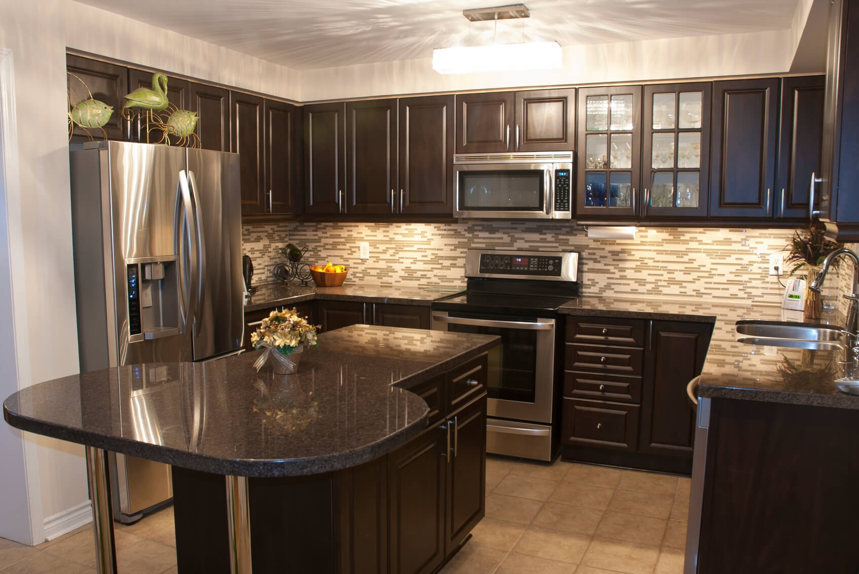 Kitchen Countertops Dark Cabinets52 dark kitchens with dark wood and black kitchen cabinets