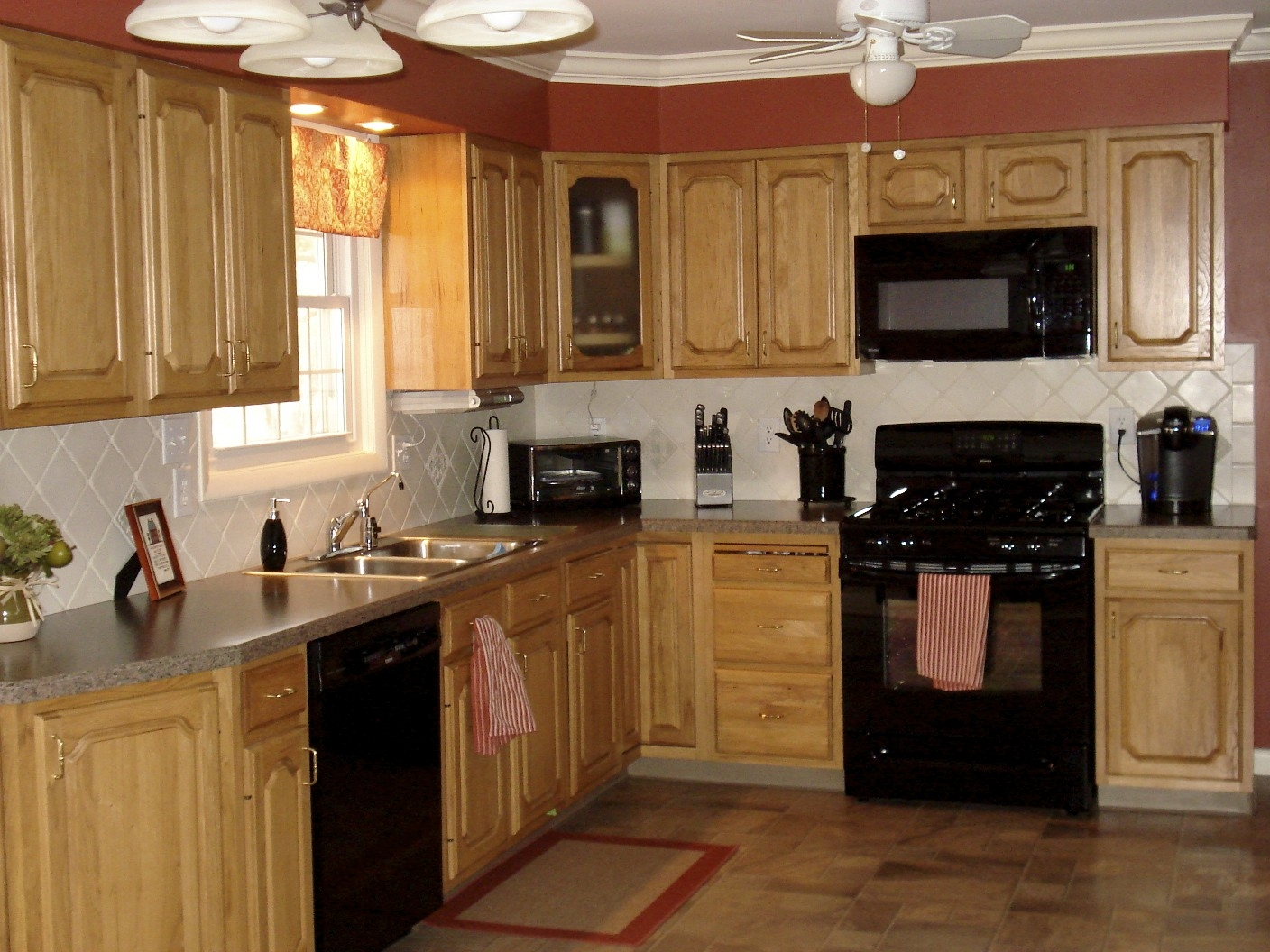 Light Kitchen Cabinets With Black Appliances