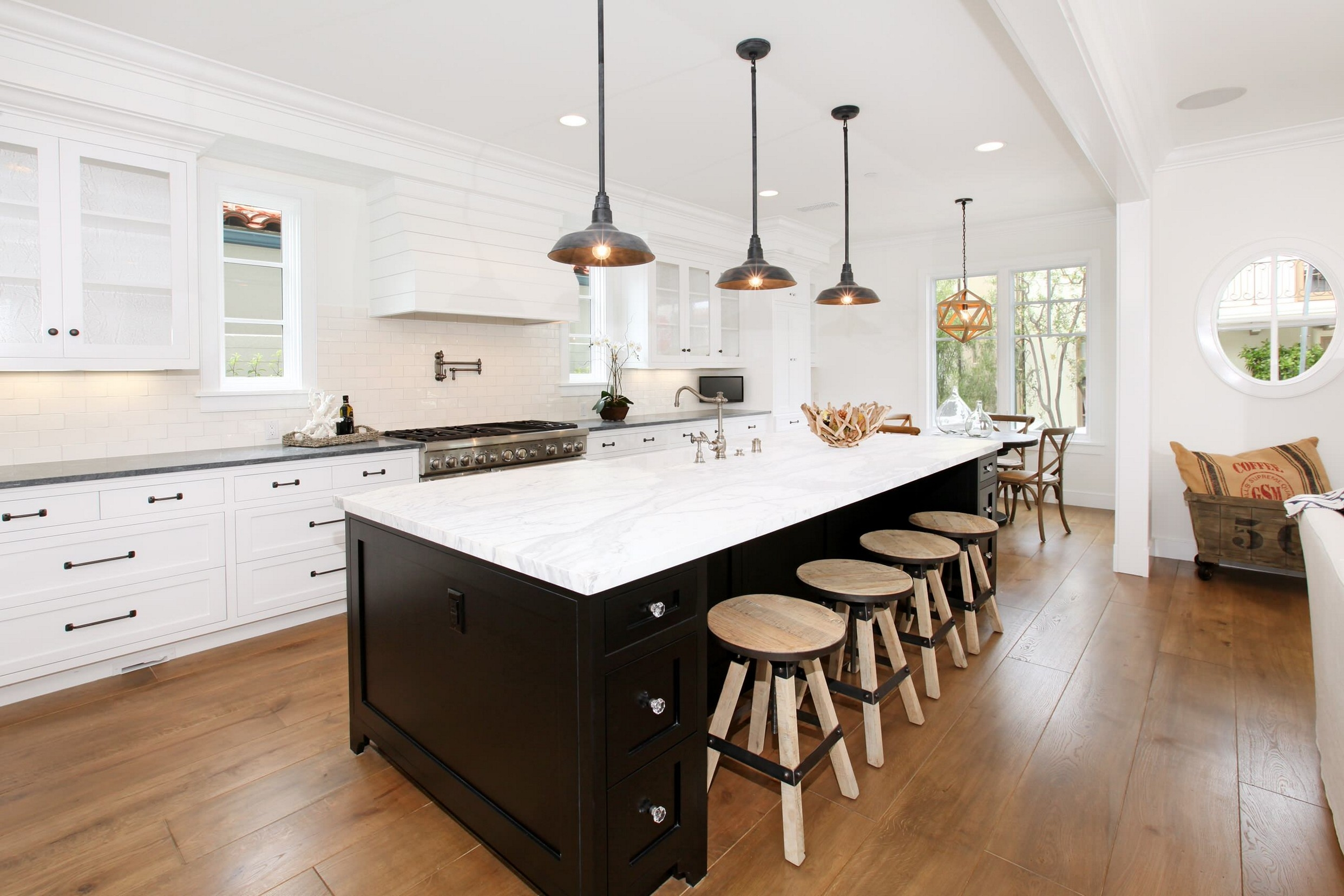 Mixing Colors Of Kitchen Cabinets