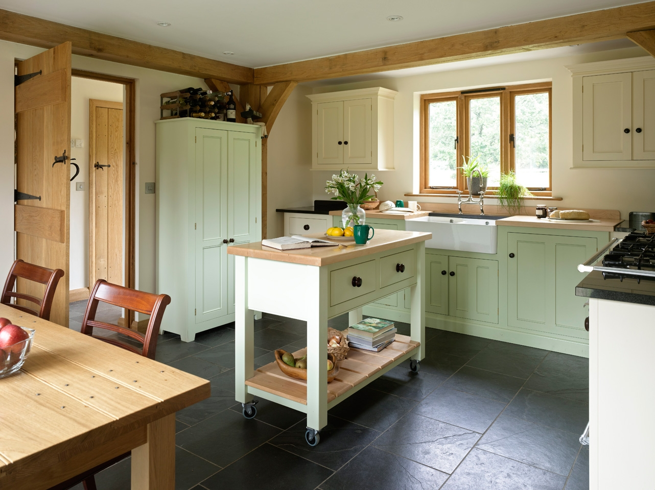 Oak Framed Kitchen Cabinets