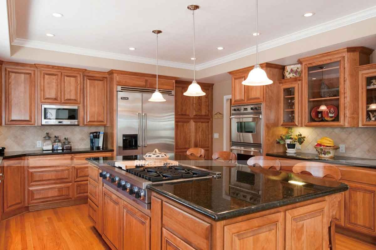Oak Kitchen Cabinets And Granite Countertops