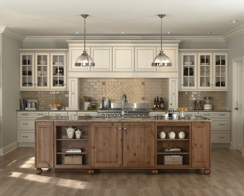 Old Fashioned White Kitchen Cabinets