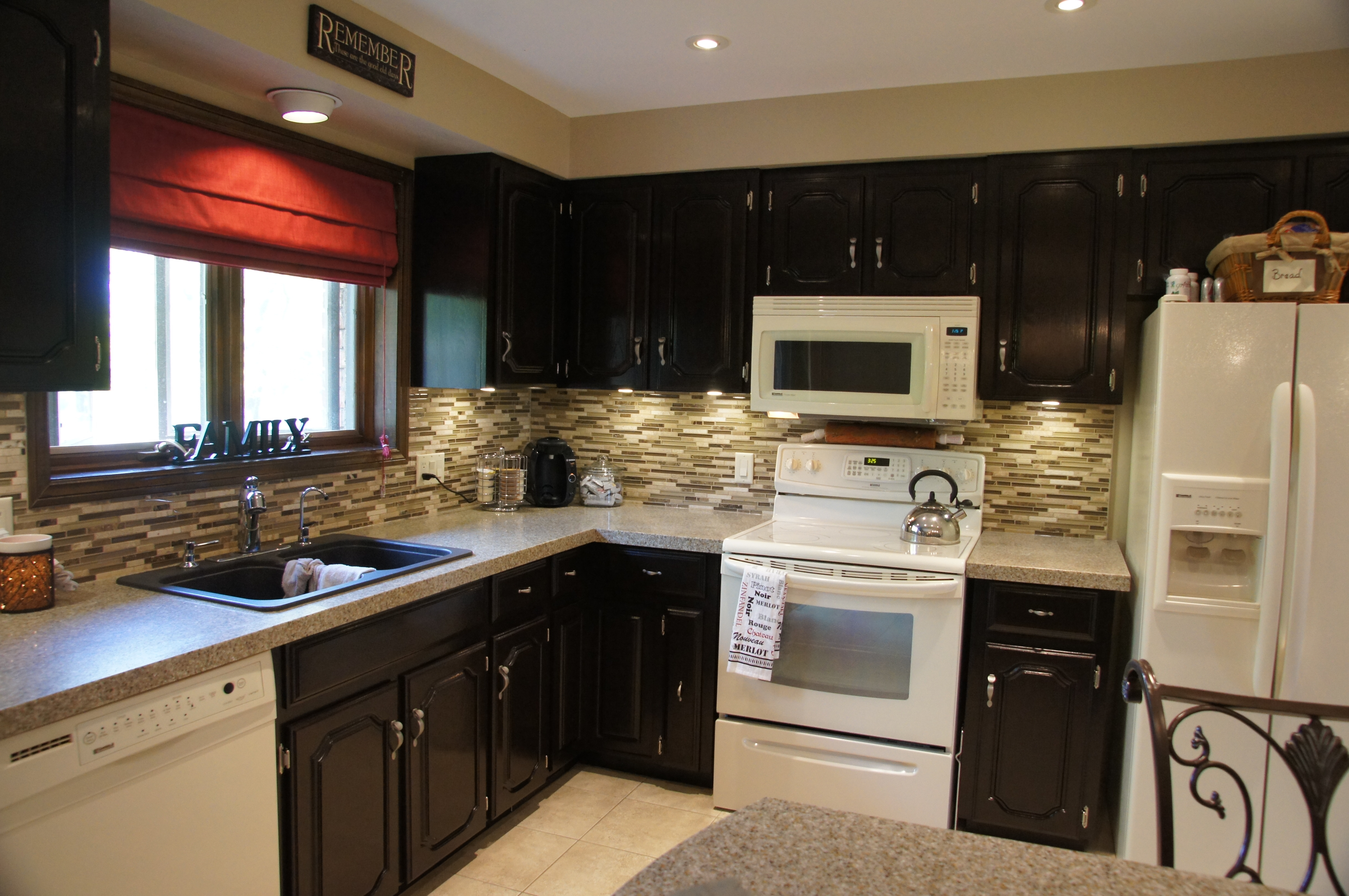 Pictures Of Black Kitchen Cabinets With White Appliances