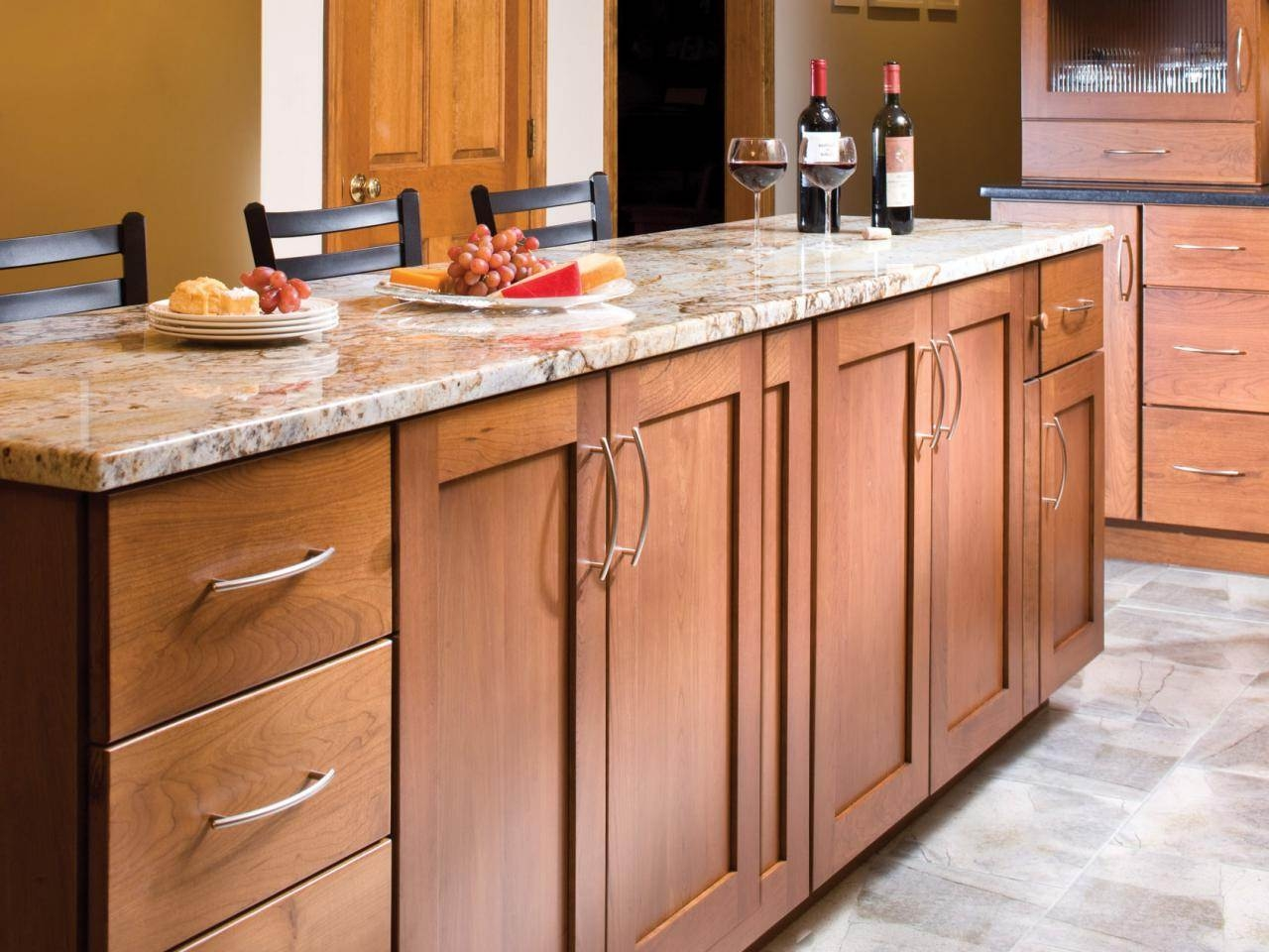 Pictures Of Kitchen Cabinets With Handles