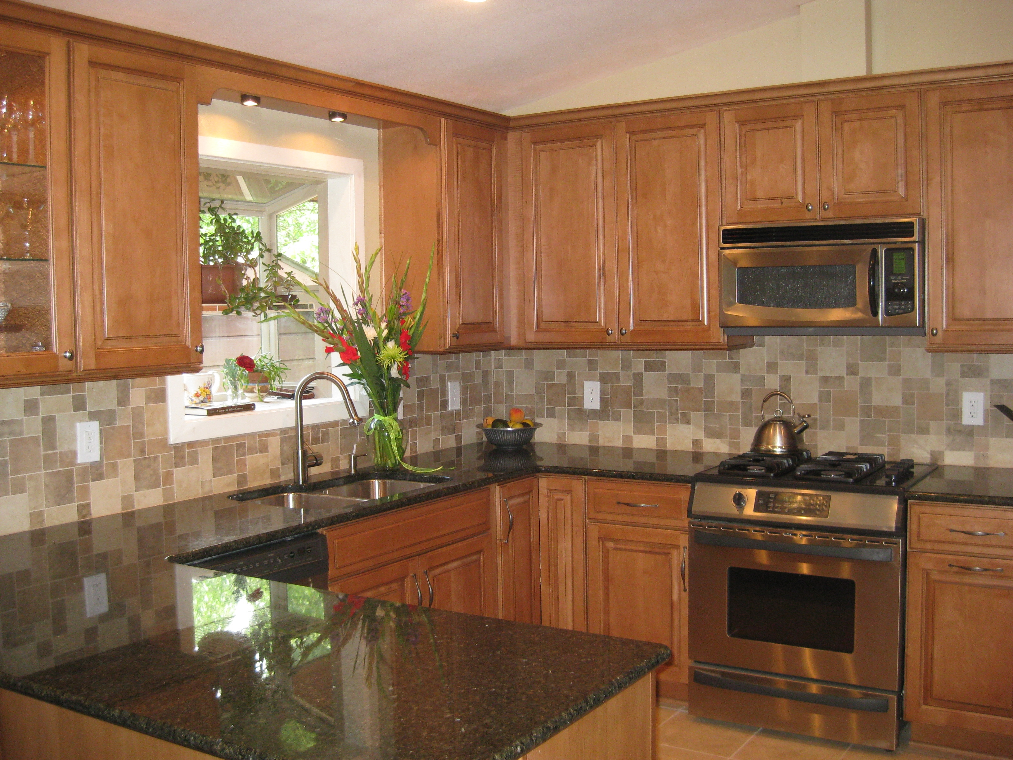Popular Kitchen Cabinets And Countertopslight maple kitchen cabinets with granite countertops kitchen
