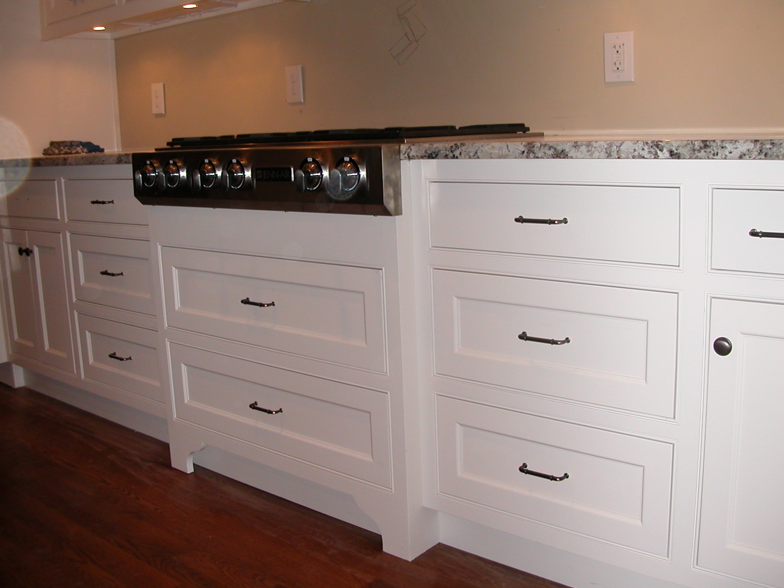Shaker Style Kitchen Cabinet Doors White1600 X 1200
