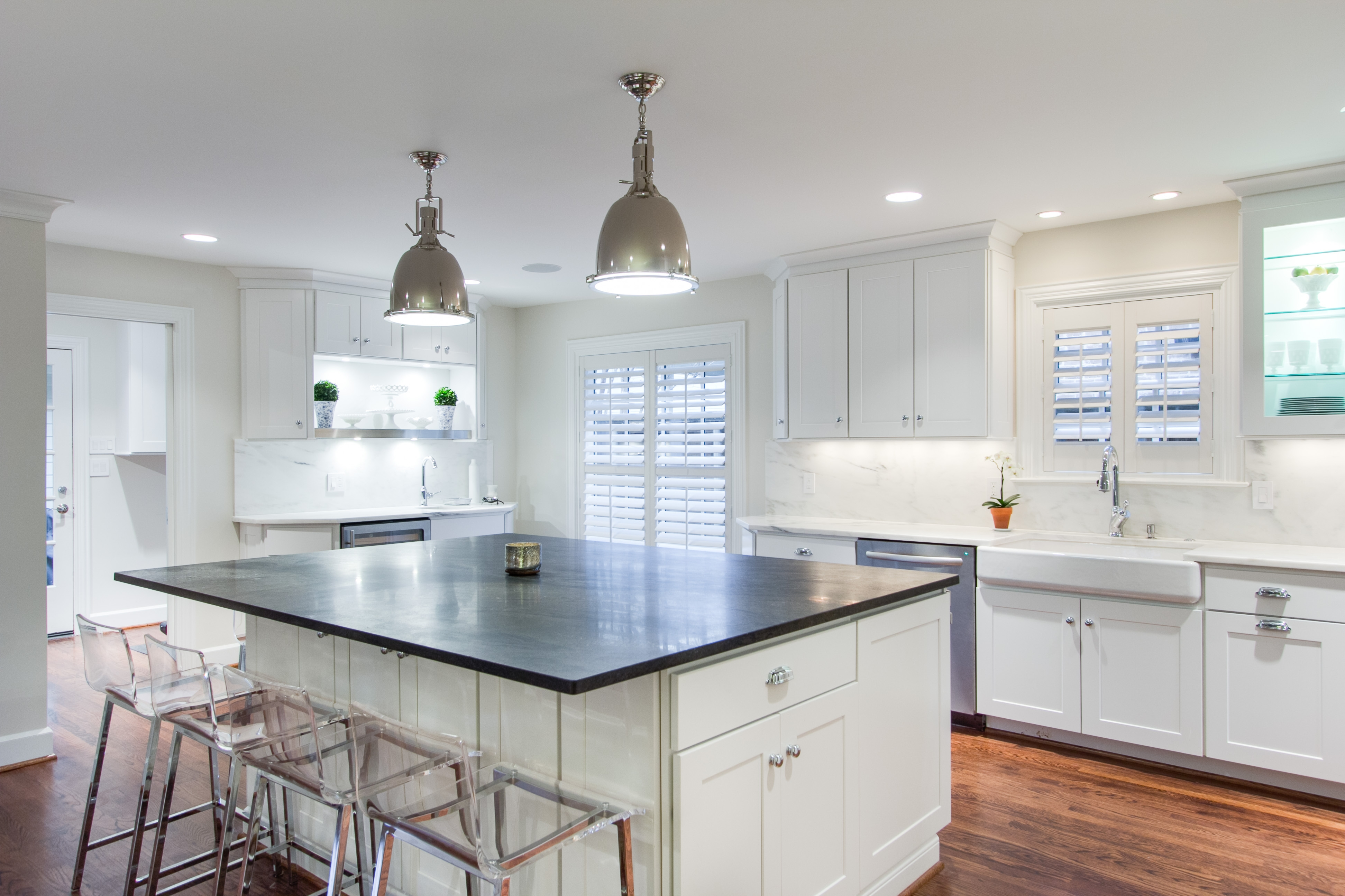 Show Me Grey Kitchen Cabinets