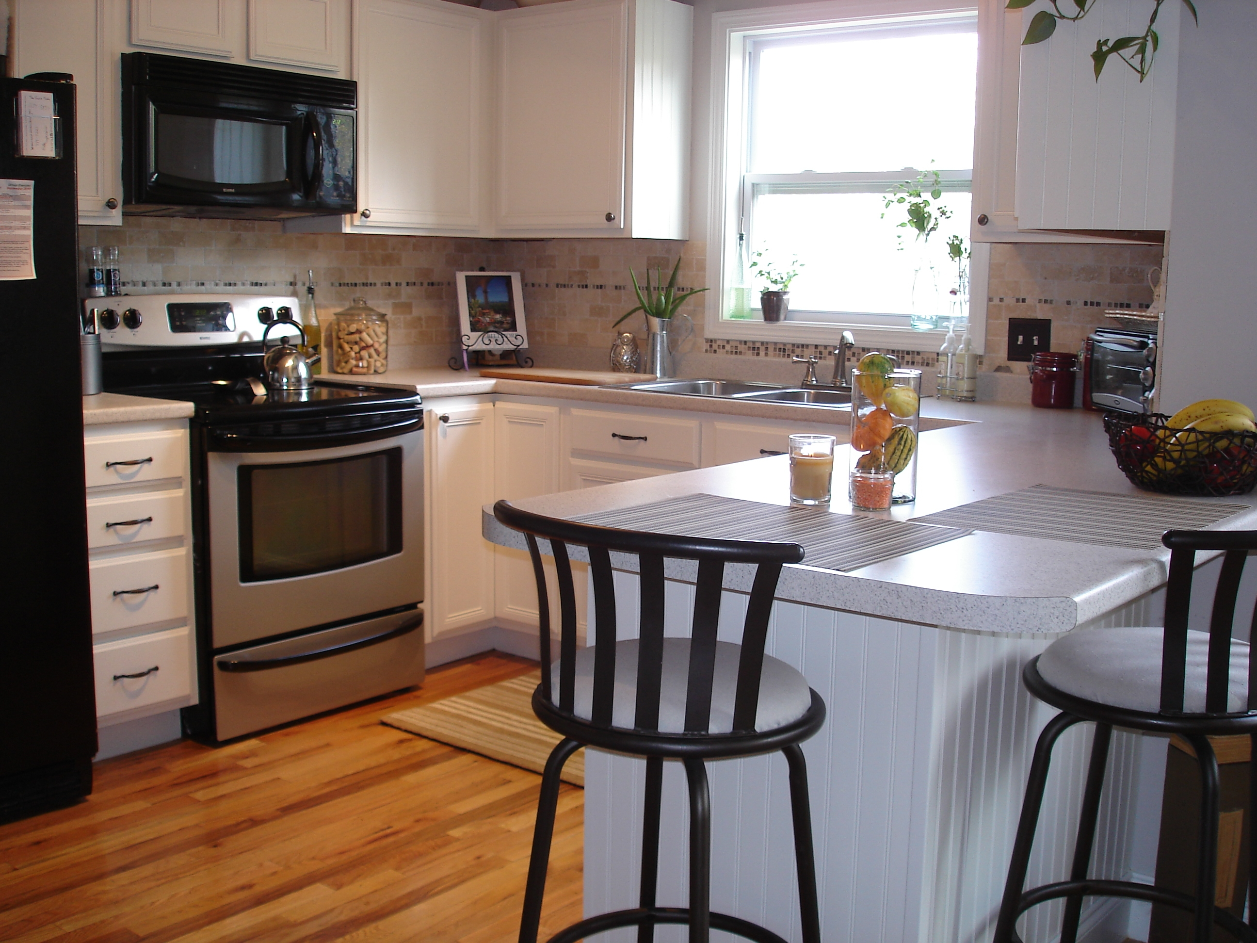 Small Kitchen Makeovers White Cabinets