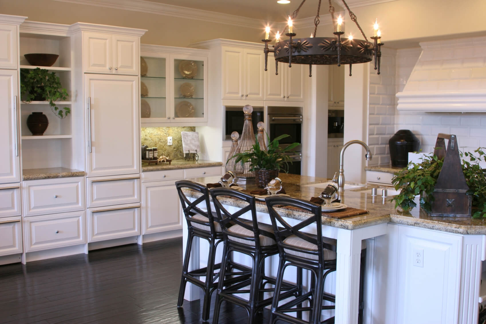 White Kitchen Cabinets And Flooring