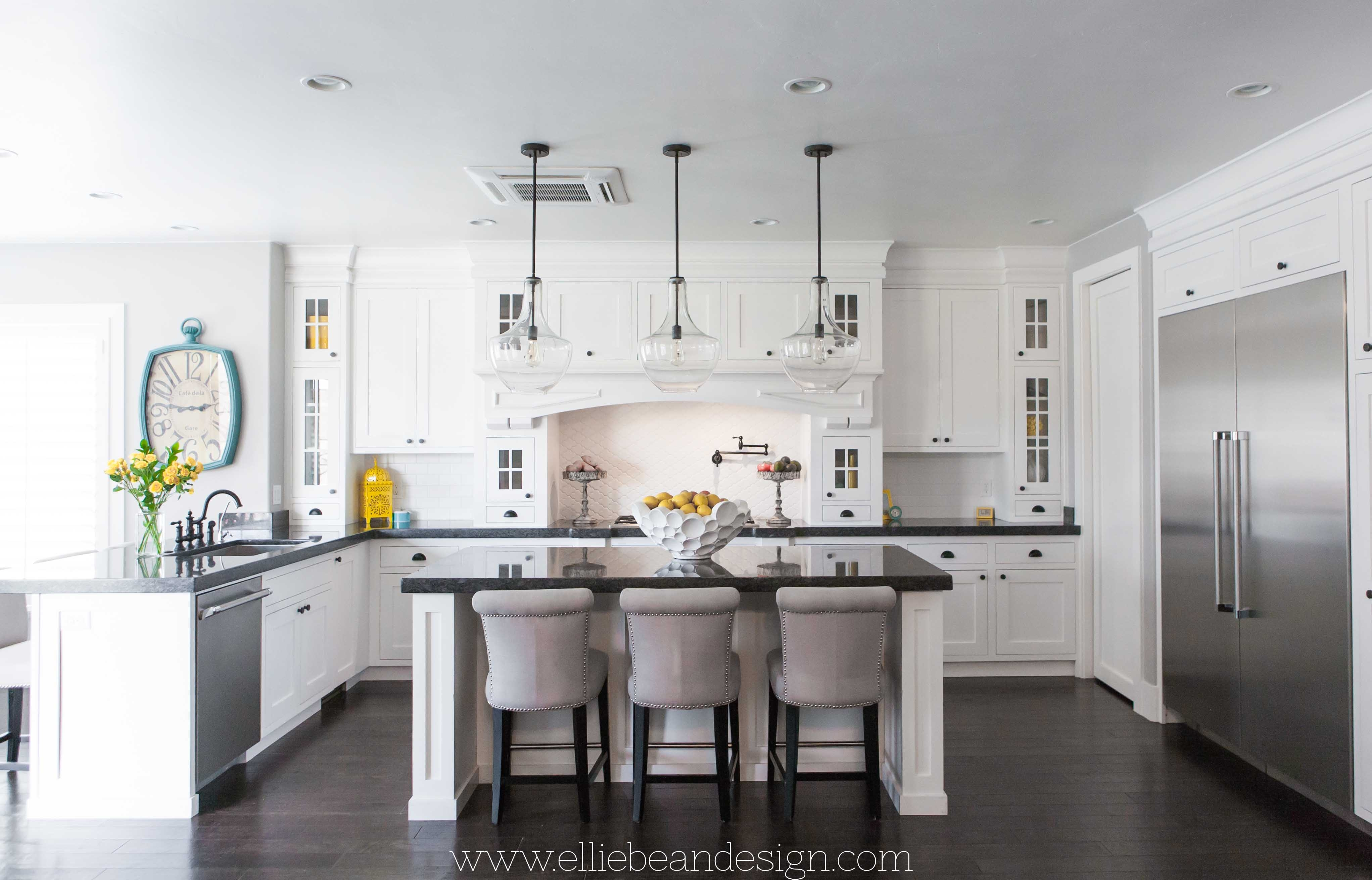 White Kitchen Cabinets That Go To Ceiling