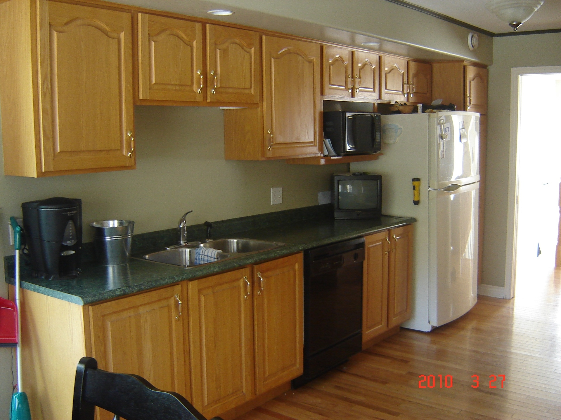 1980'S Style Kitchen Cabinets