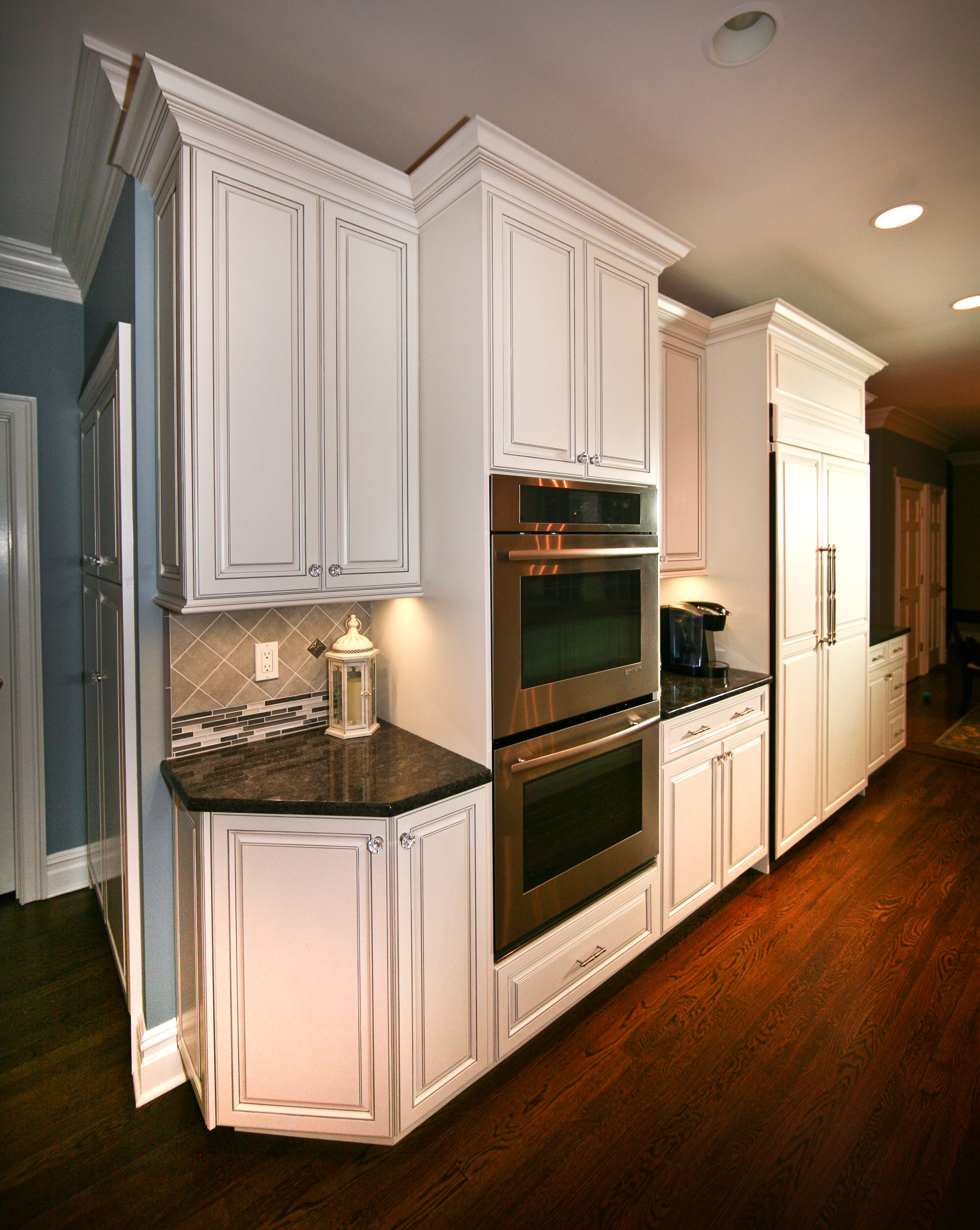 Angled Base Kitchen Cabinets