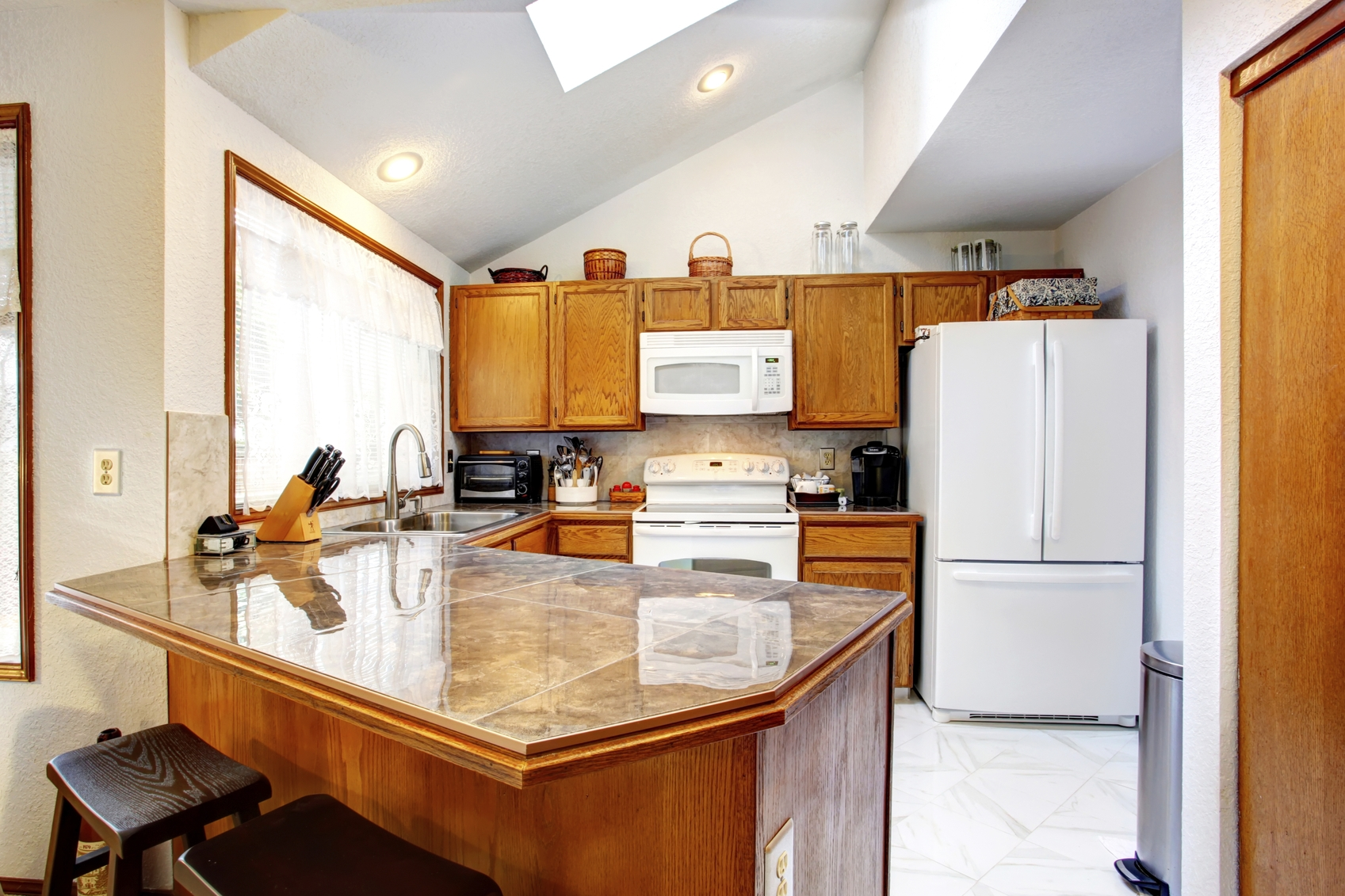 Cathedral Ceiling Kitchen Cabinets