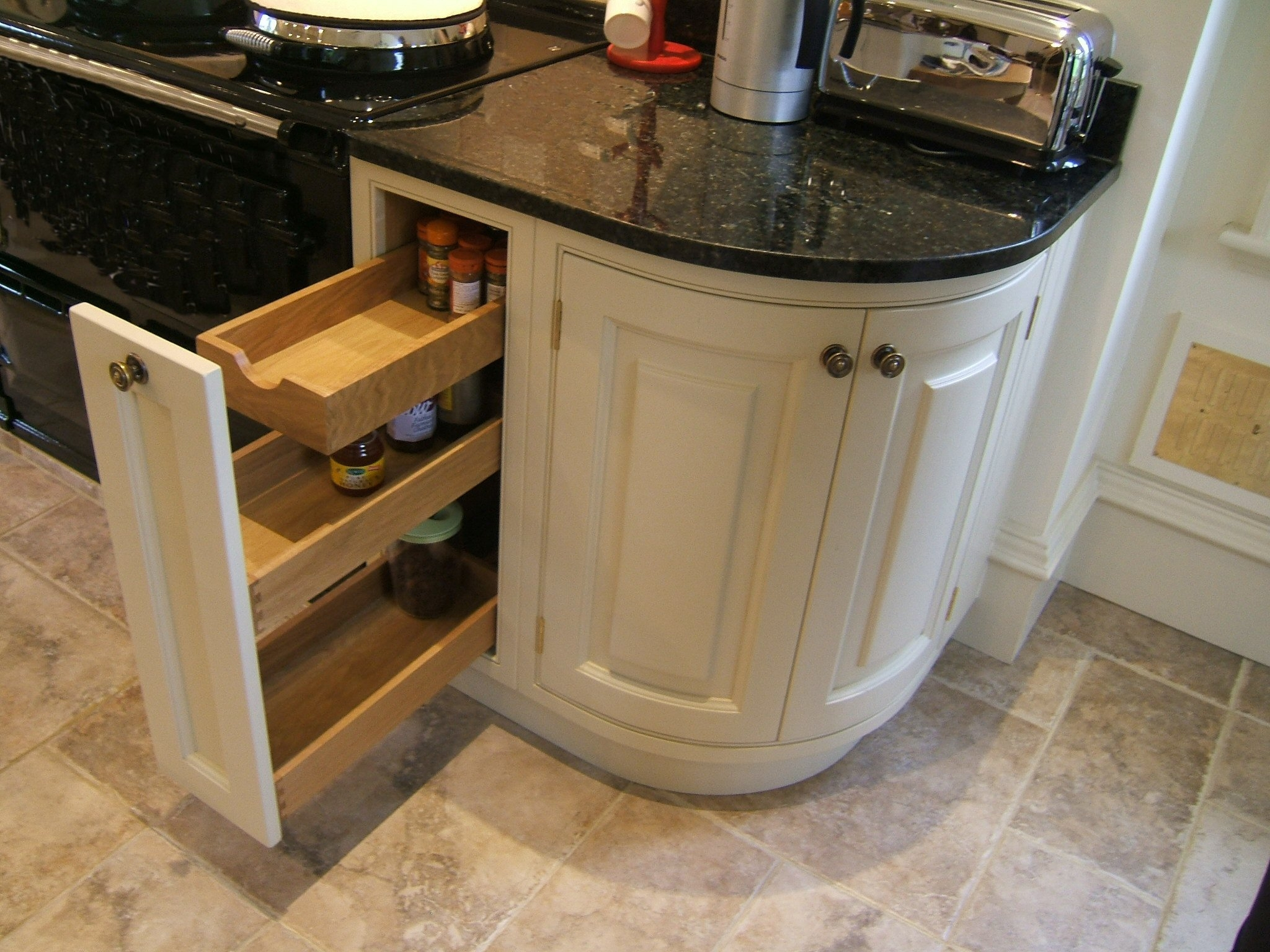 Curved Doors Kitchen Cabinets