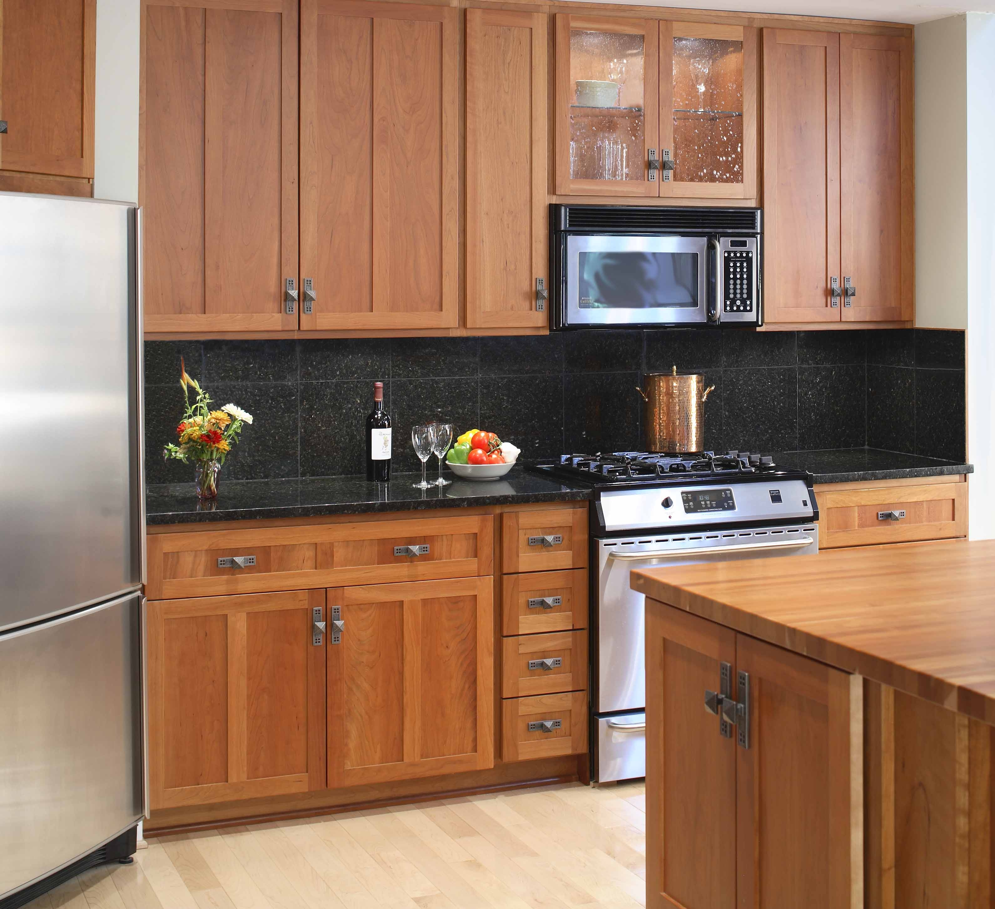 Kitchen Cabinet Colors For Black Countertops