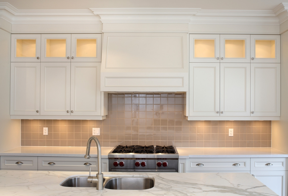 Kitchen Cabinet Crown Molding To Ceiling