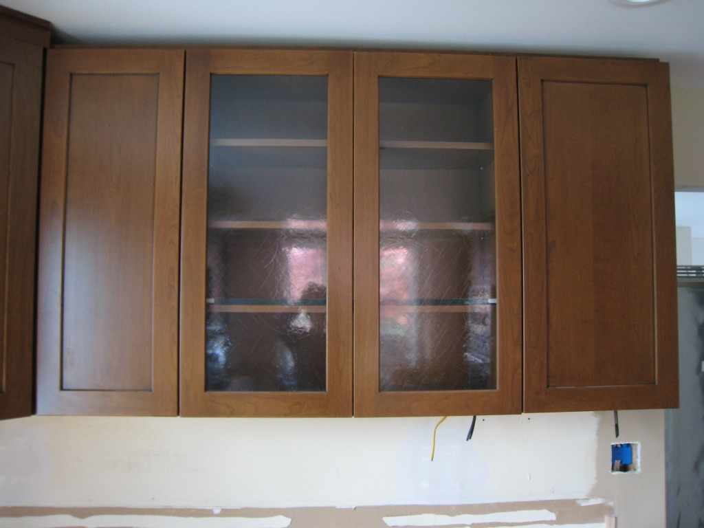 Kitchen Cabinet With Glass Inserts