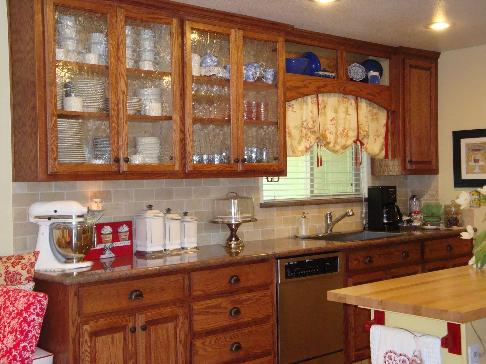 Kitchen Cabinets With Glass Doors On Both Sides