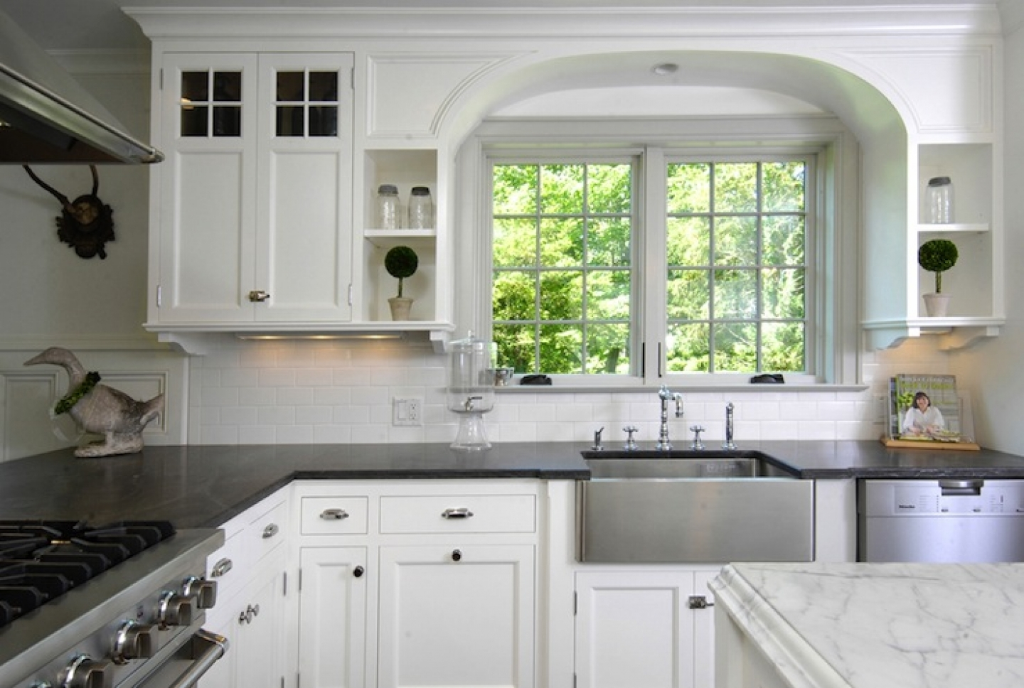 Kitchen Countertop White Cabinets