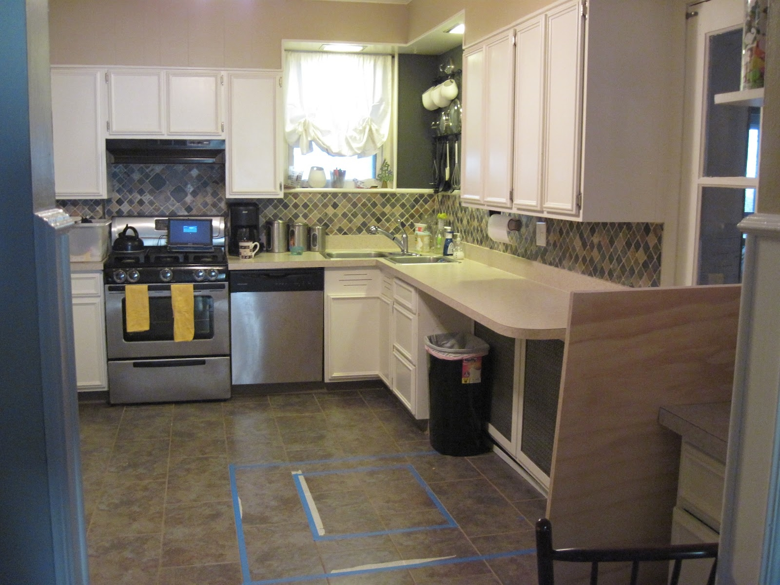Kitchen Countertop Without Cabinets