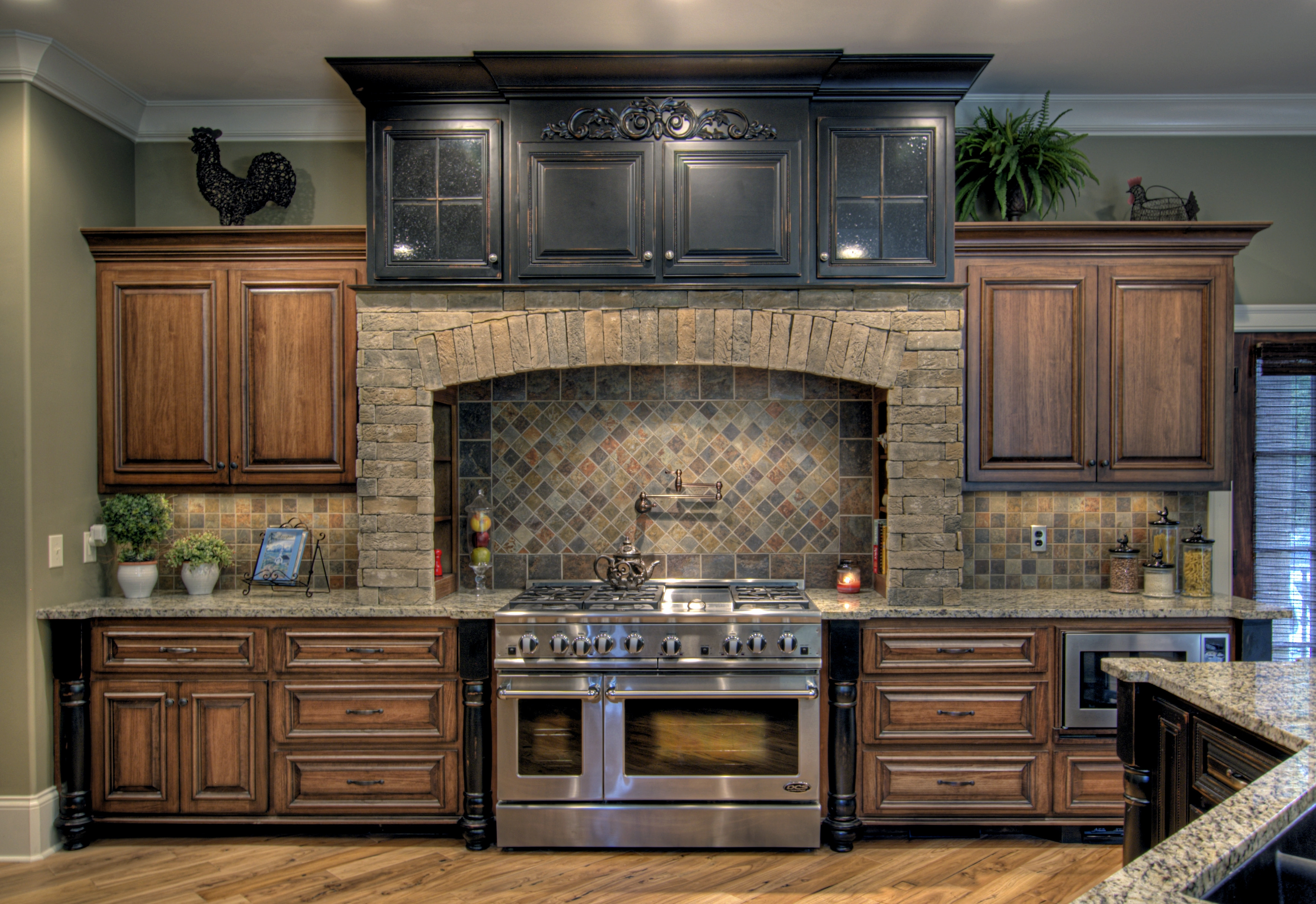 Pictures Of Poplar Kitchen Cabinets