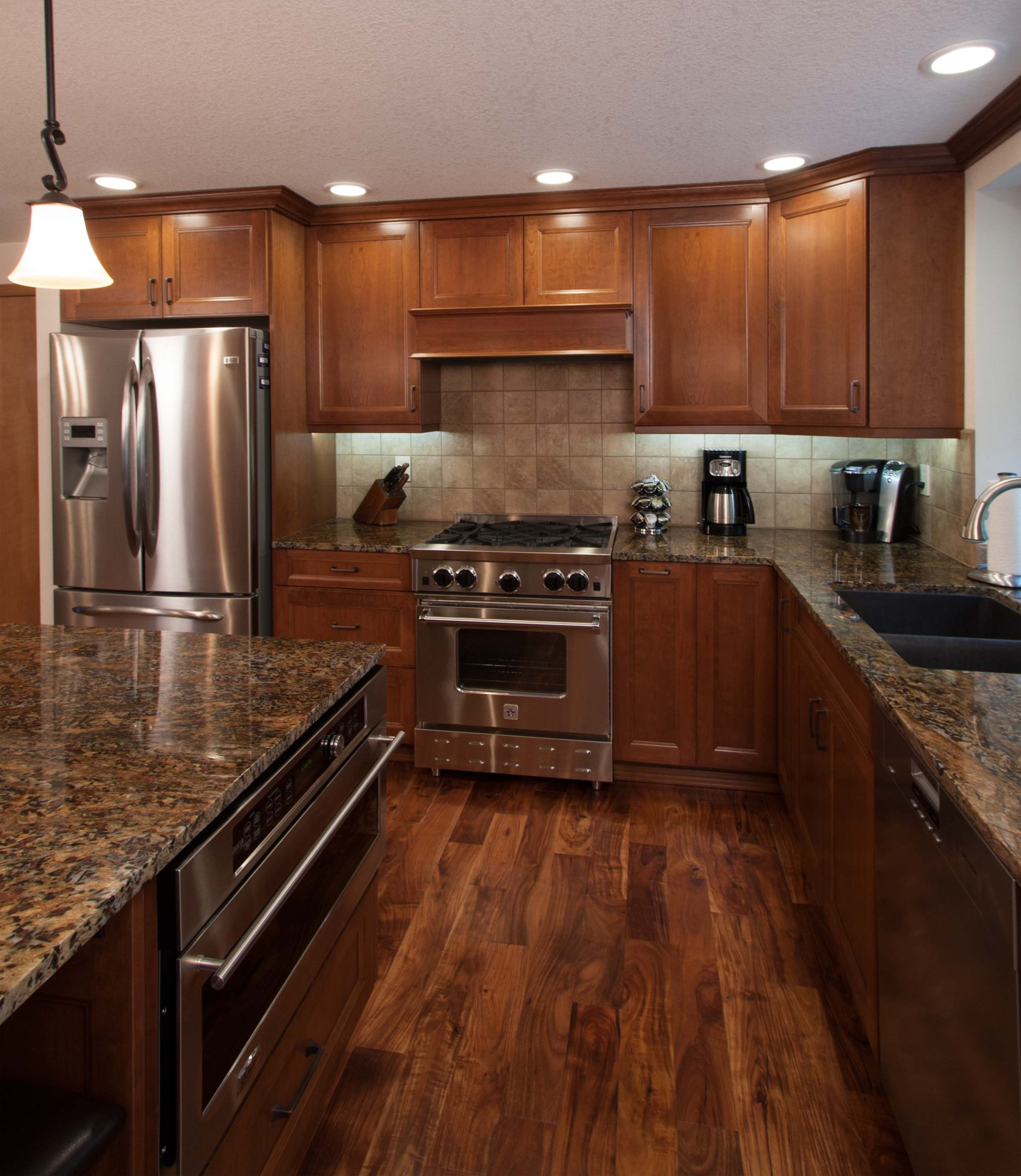 Pictures Of Wood Kitchen Cabinets With Wood Floors
