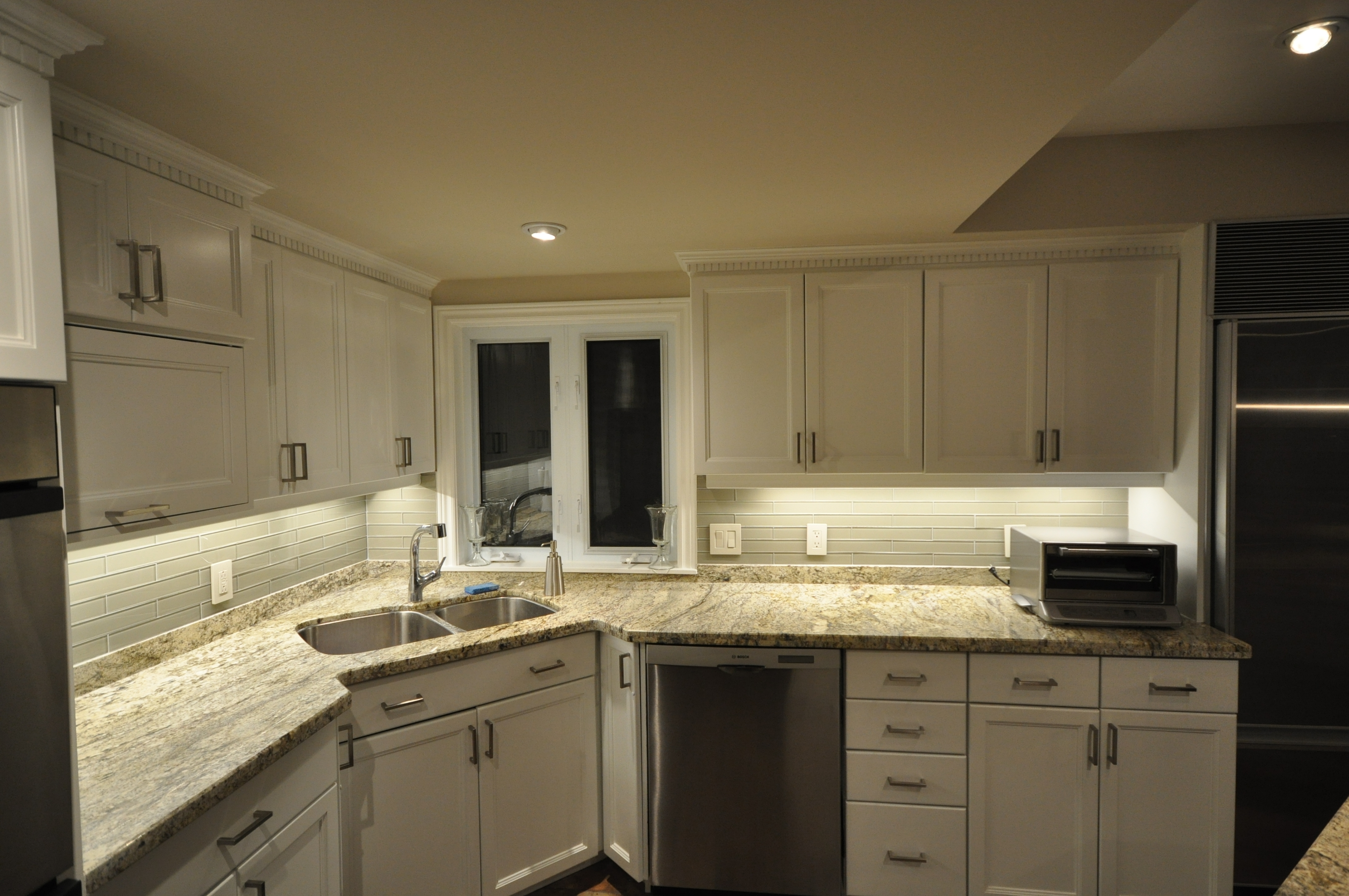 Strip Lights Under Kitchen Cabinets