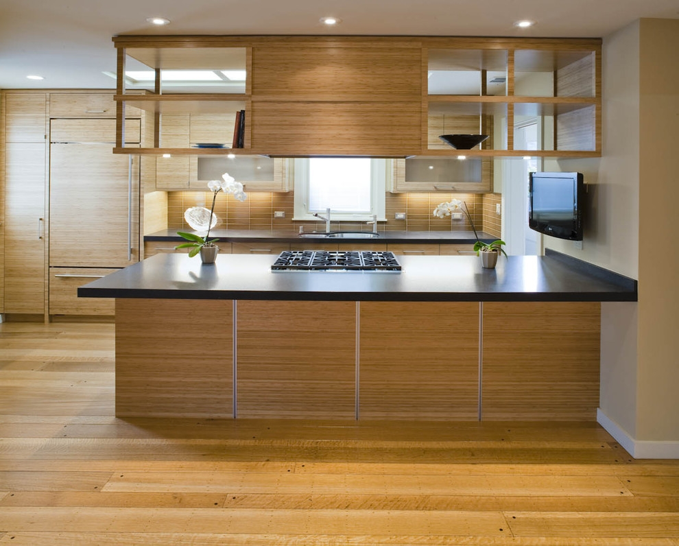 U Shaped Kitchen Suspended Cabinets