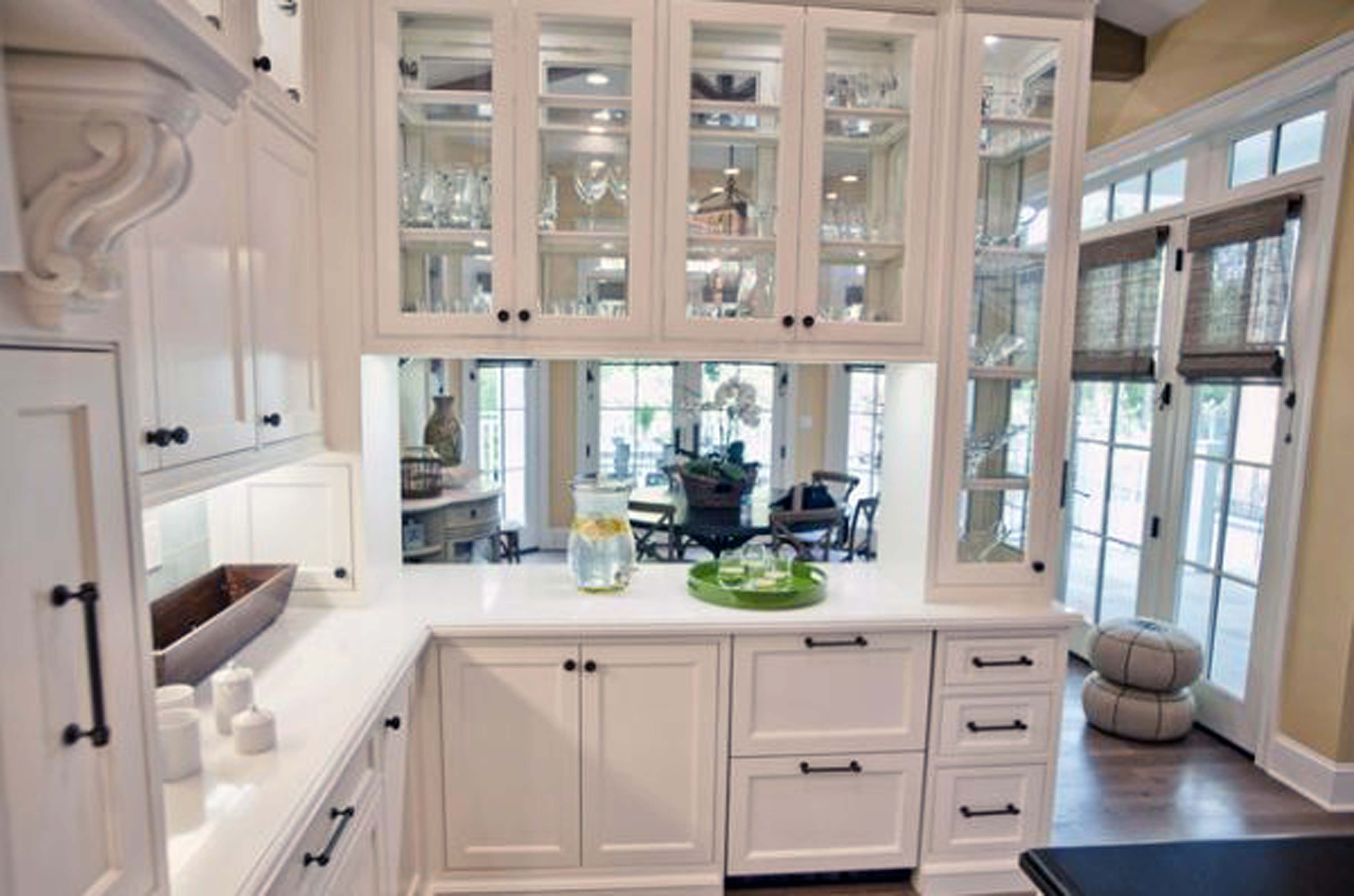 White Kitchen Cabinets Glass Front