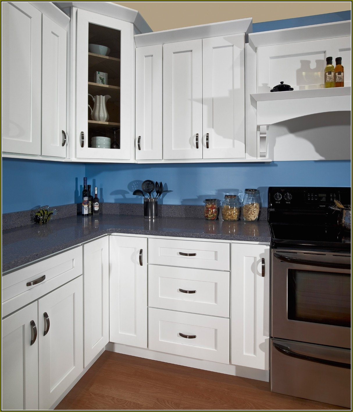 White Kitchen Cabinets With Handles