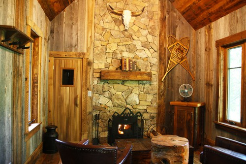Cabin-Interior-Fireplace-800