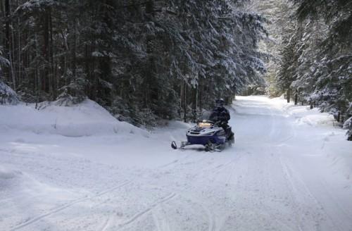 snow-mobile-1