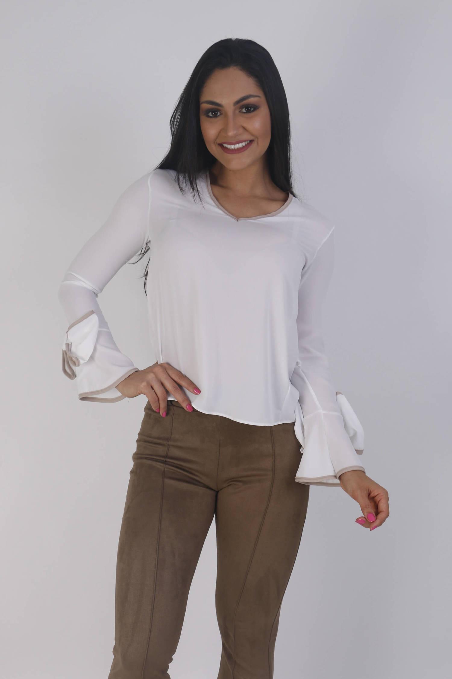 Blusa manga longa branca com detalhe bege