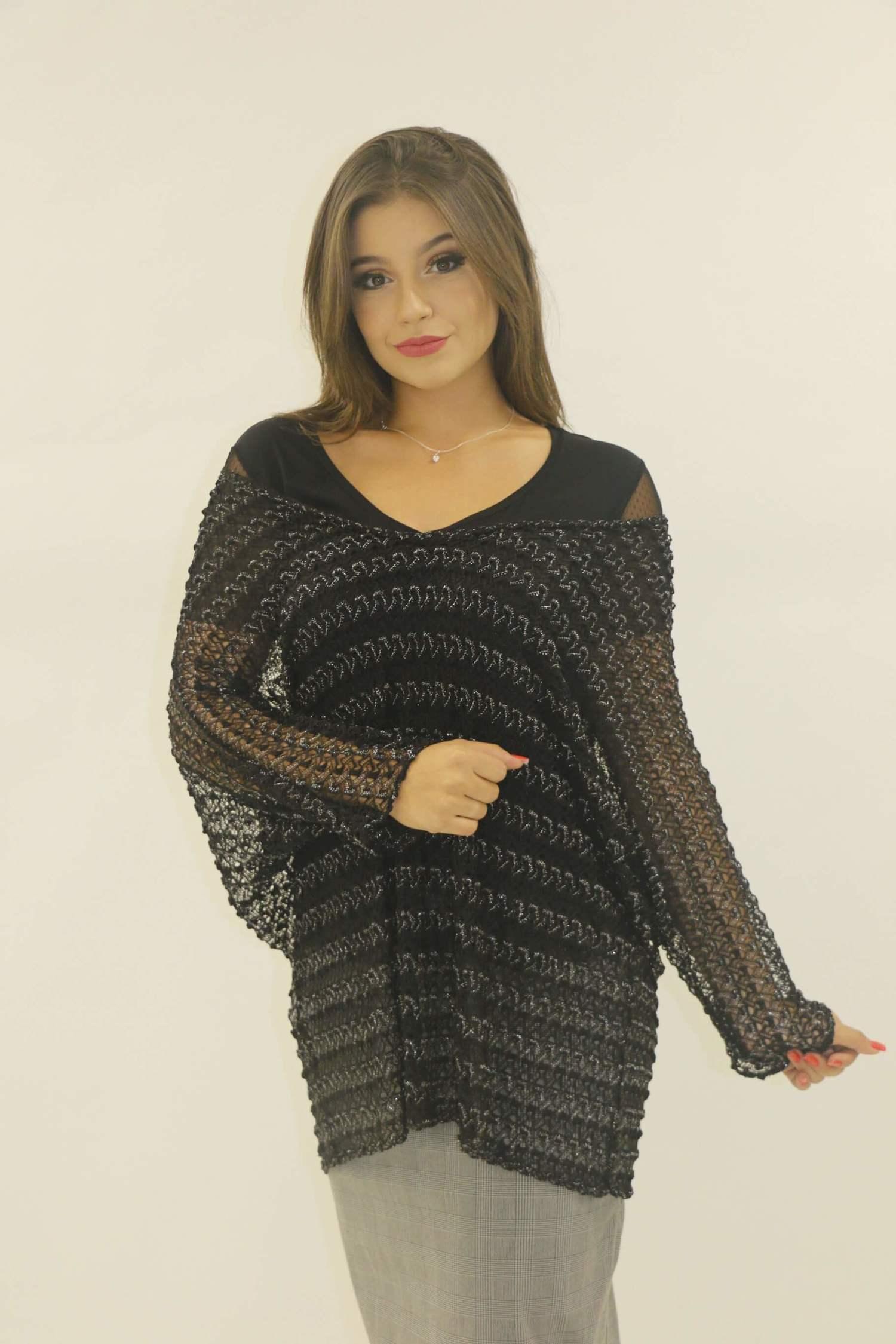 Blusa preta e blusa preta maxi tricot