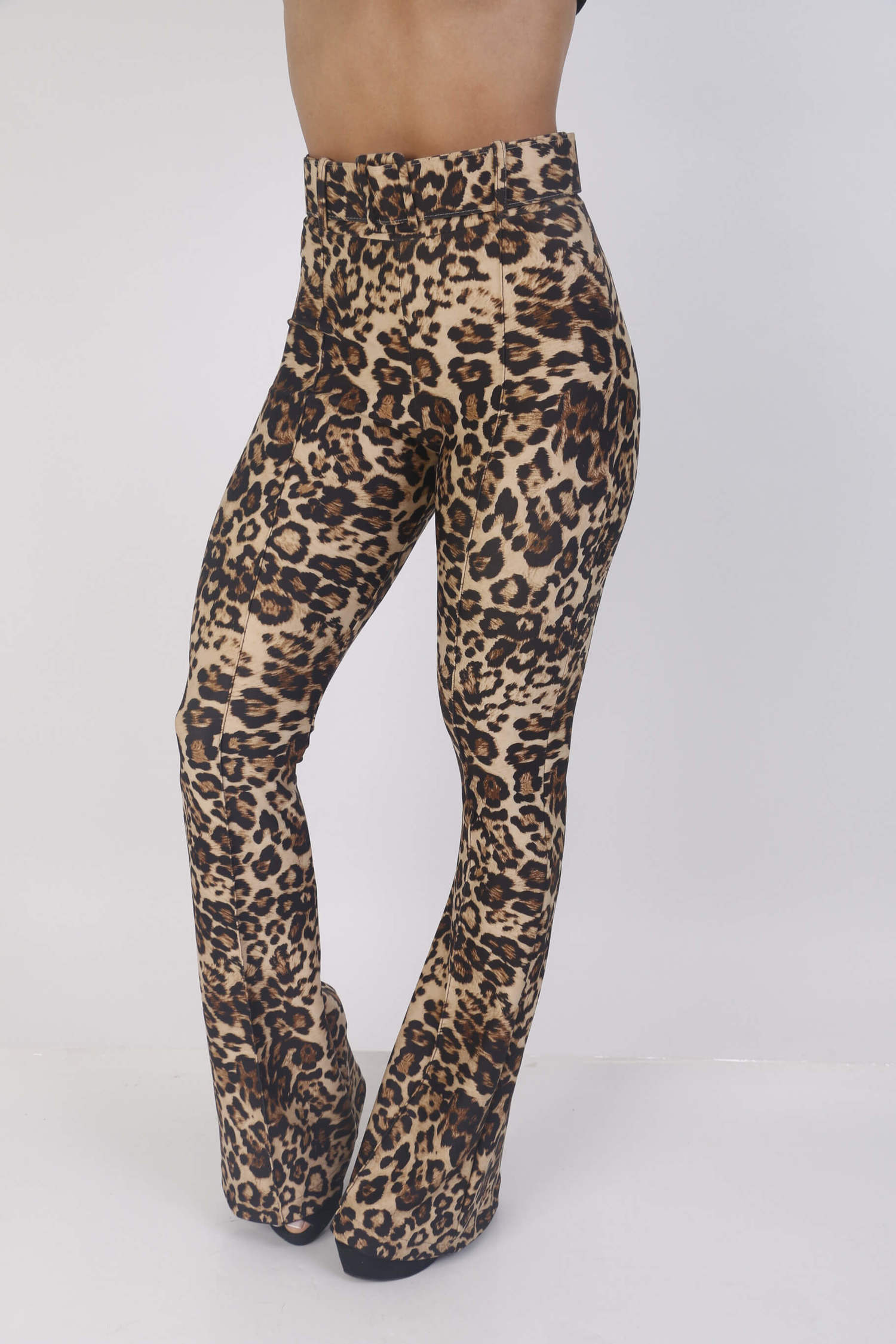 Calça Animal print estampa de onça