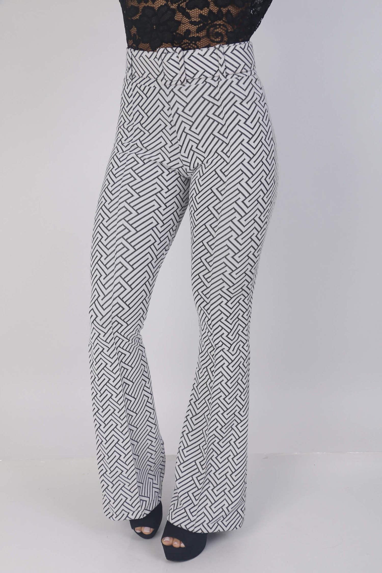 Calça geometrica preta e branca com cinto